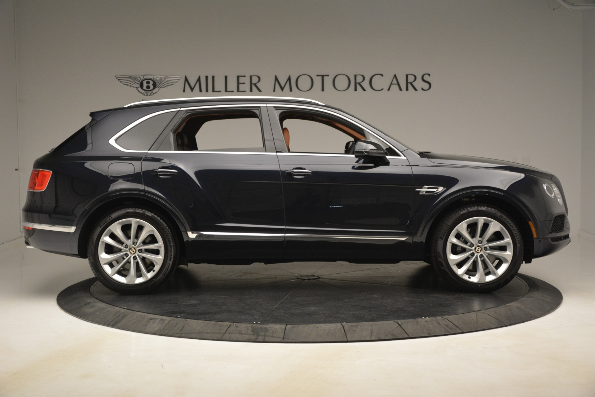 New 2019 Bentley Bentayga V8 For Sale In Greenwich, CT 3207_p9