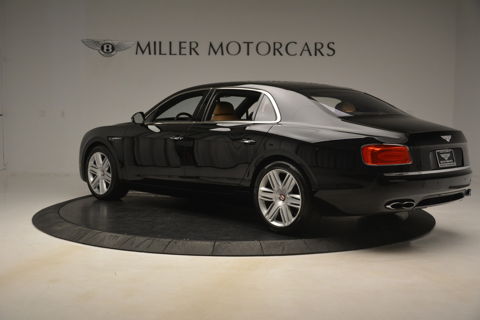 Used 2016 Bentley Flying Spur V8 For Sale In Greenwich, CT 3210_p4