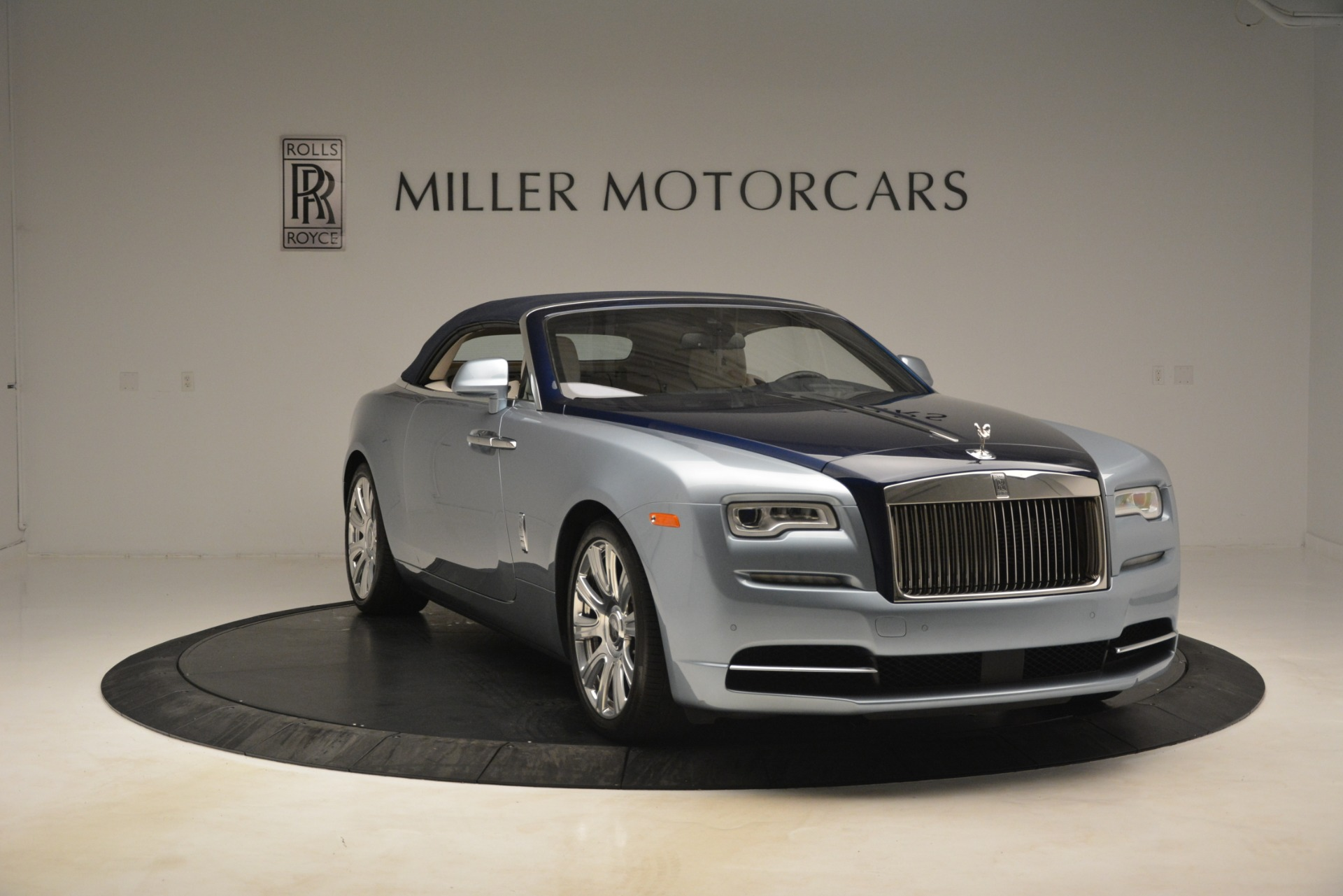 Used 2016 Rolls-Royce Dawn  For Sale In Greenwich, CT 3217_p10
