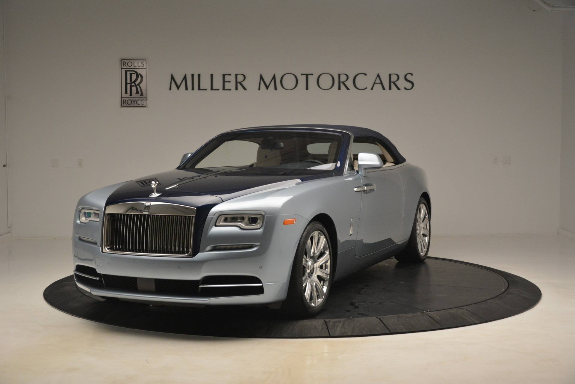 Used 2016 Rolls-Royce Dawn  For Sale In Greenwich, CT 3217_p11