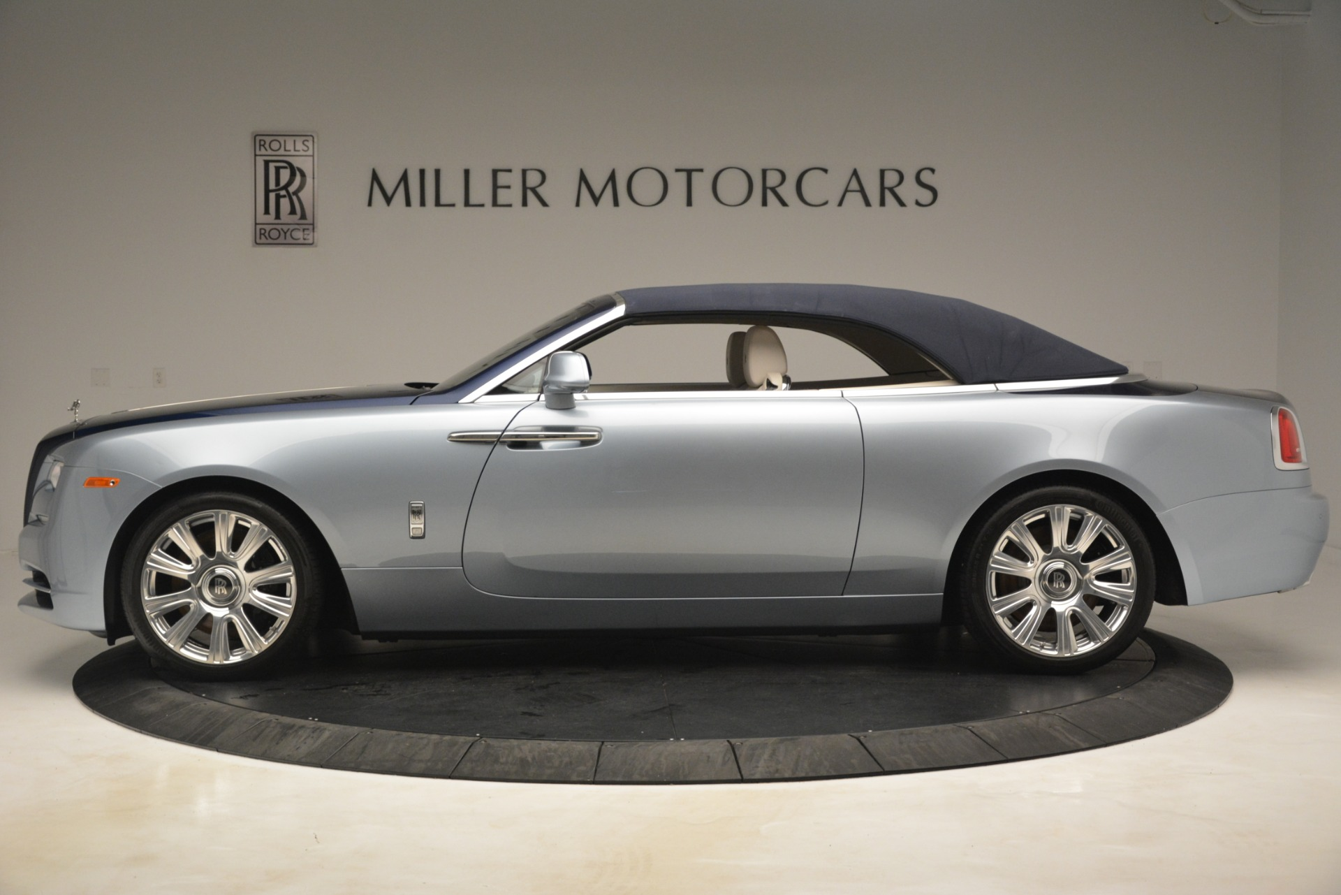 Used 2016 Rolls-Royce Dawn  For Sale In Greenwich, CT 3217_p12
