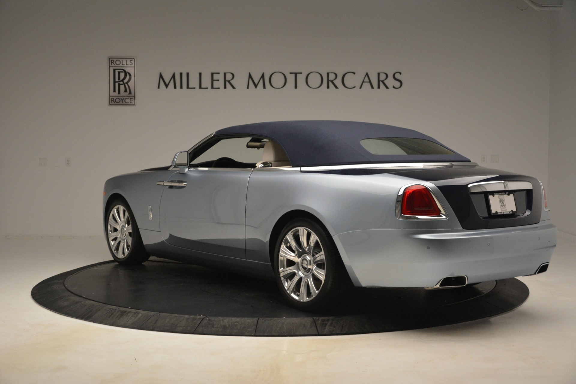 Used 2016 Rolls-Royce Dawn  For Sale In Greenwich, CT 3217_p13