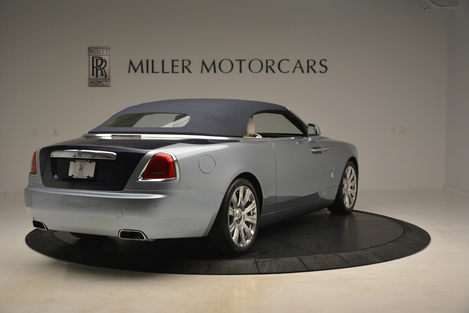 Used 2016 Rolls-Royce Dawn  For Sale In Greenwich, CT 3217_p14