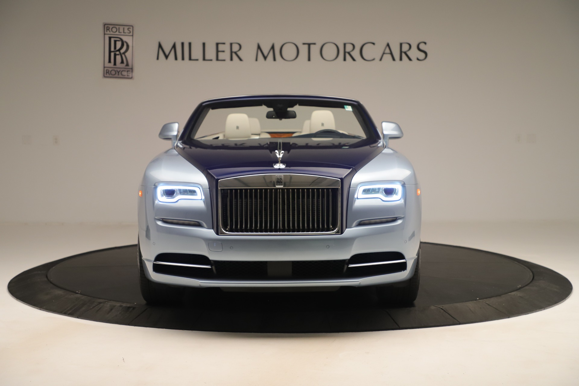Used 2016 Rolls-Royce Dawn  For Sale In Greenwich, CT 3217_p2