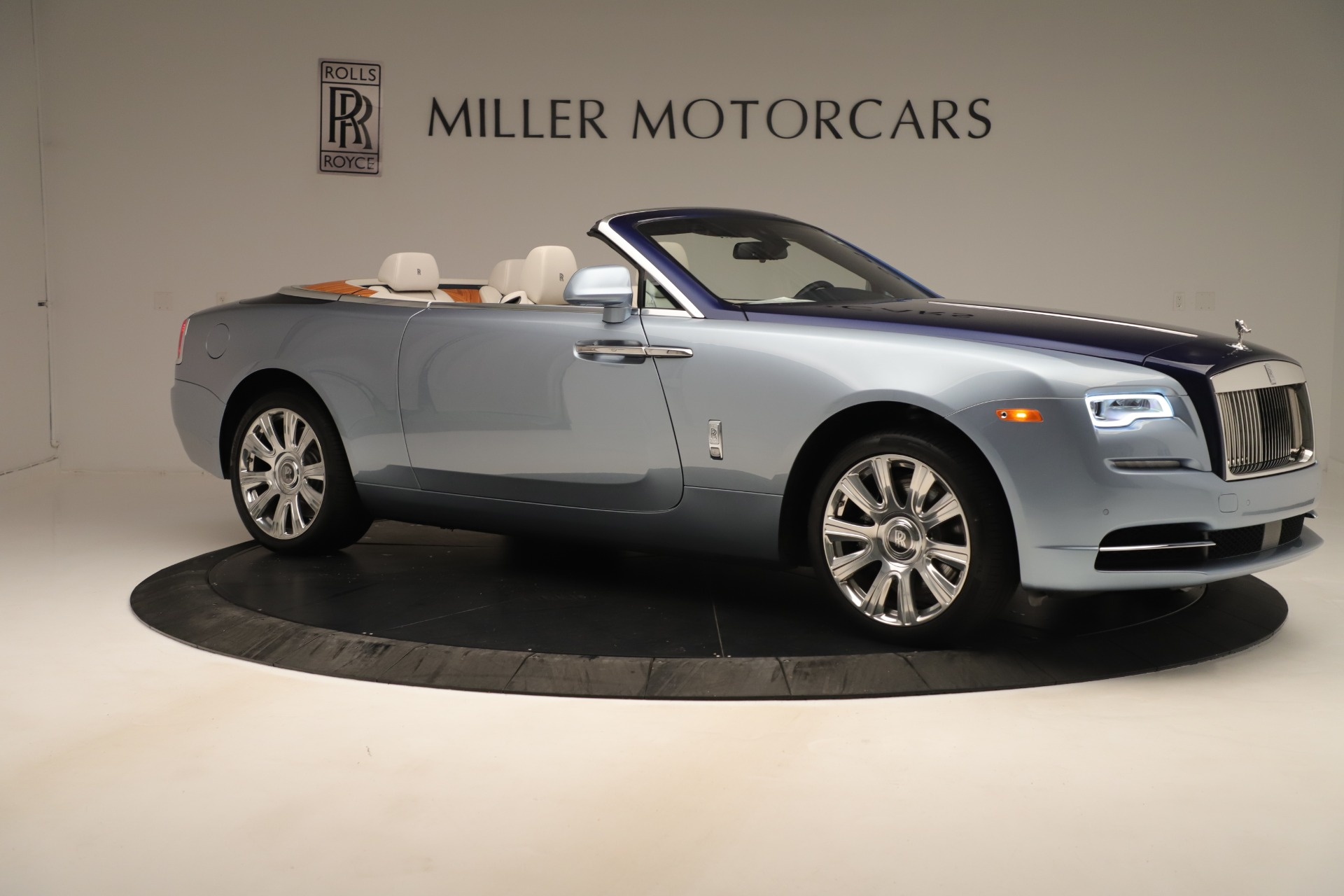 Used 2016 Rolls-Royce Dawn  For Sale In Greenwich, CT 3217_p8