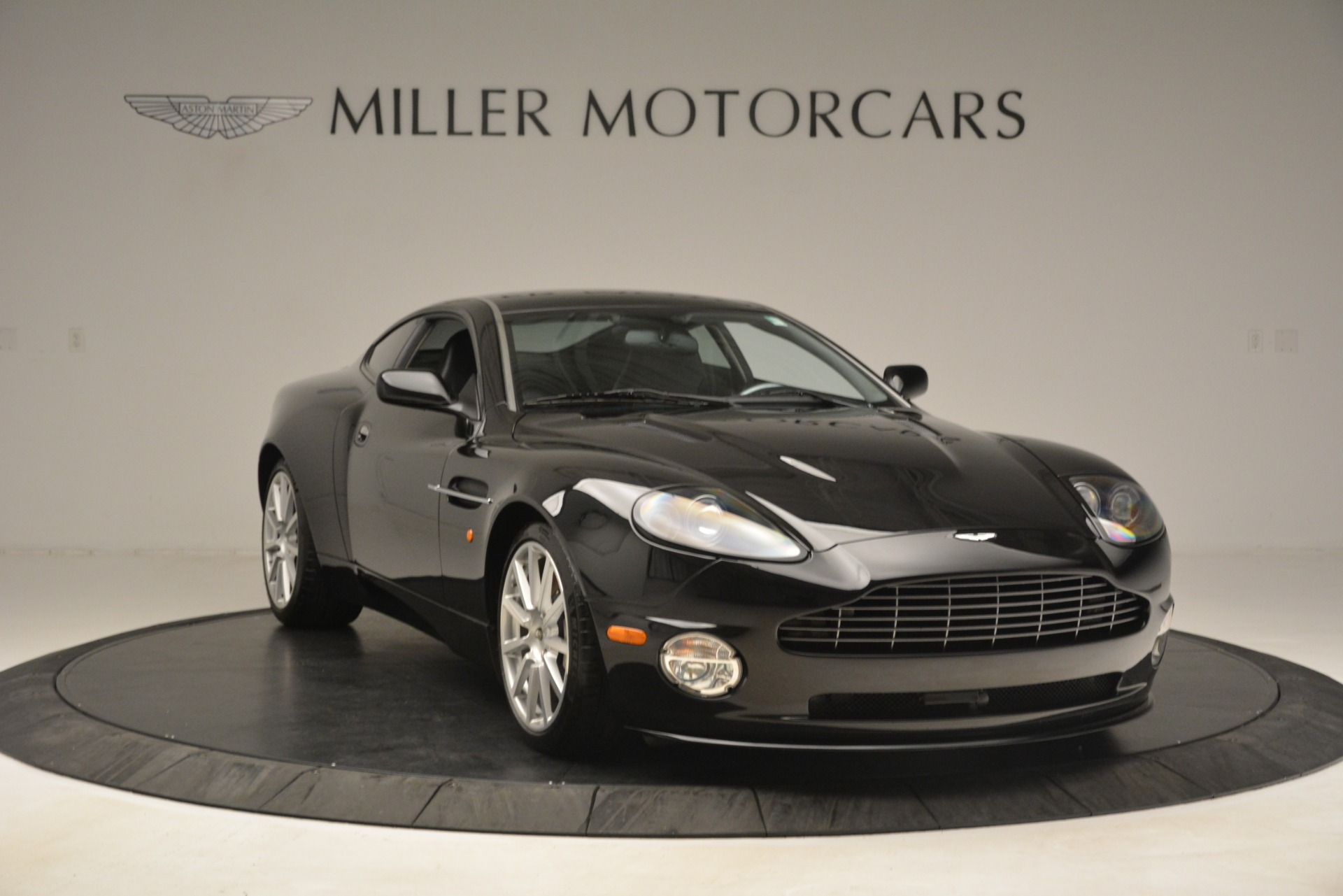 Used 2005 Aston Martin V12 Vanquish S Coupe For Sale In Greenwich, CT 3218_p11