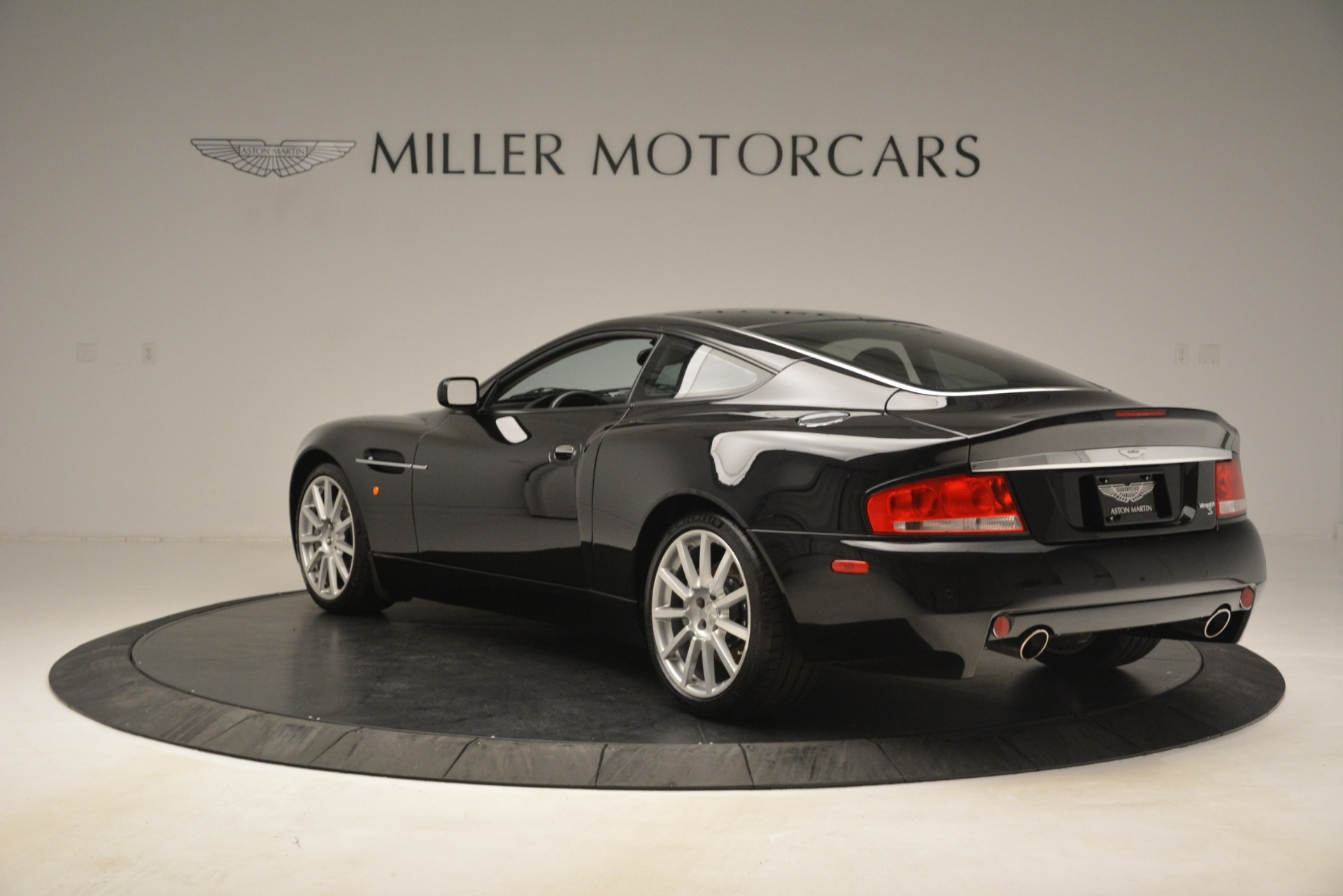 Used 2005 Aston Martin V12 Vanquish S Coupe For Sale In Greenwich, CT 3218_p5
