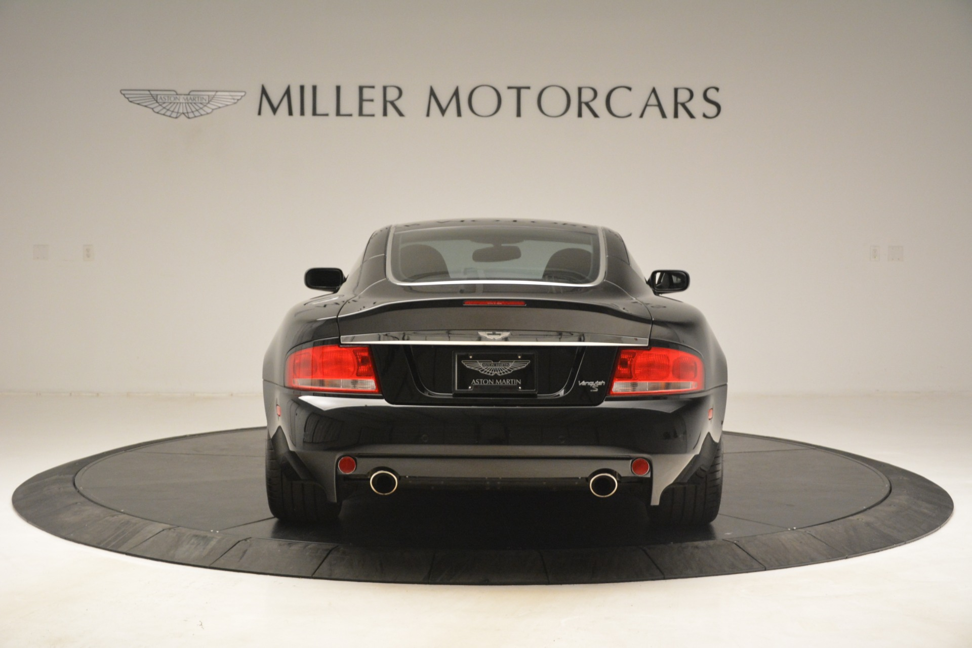 Used 2005 Aston Martin V12 Vanquish S Coupe For Sale In Greenwich, CT 3218_p6
