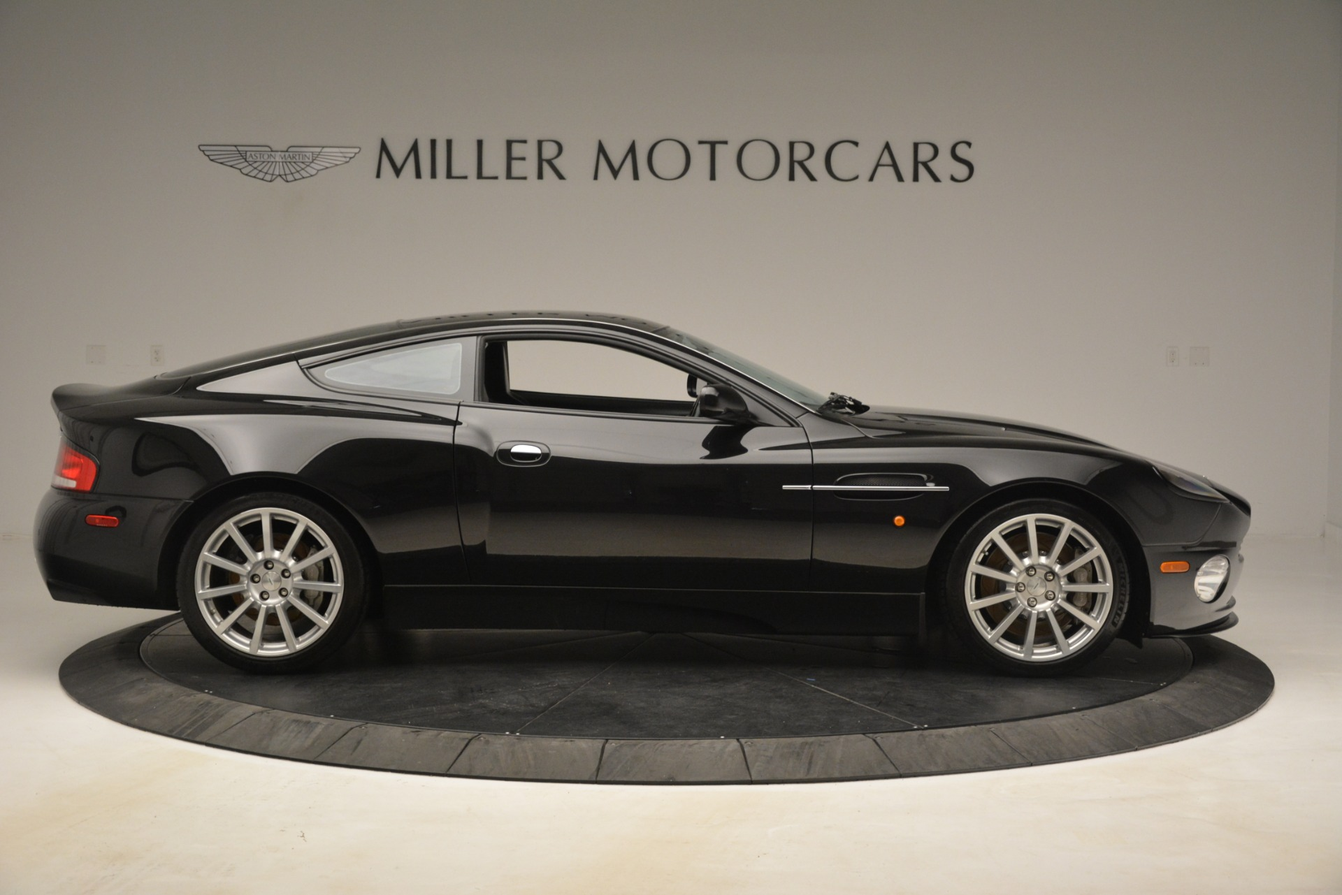 Used 2005 Aston Martin V12 Vanquish S Coupe For Sale In Greenwich, CT 3218_p9