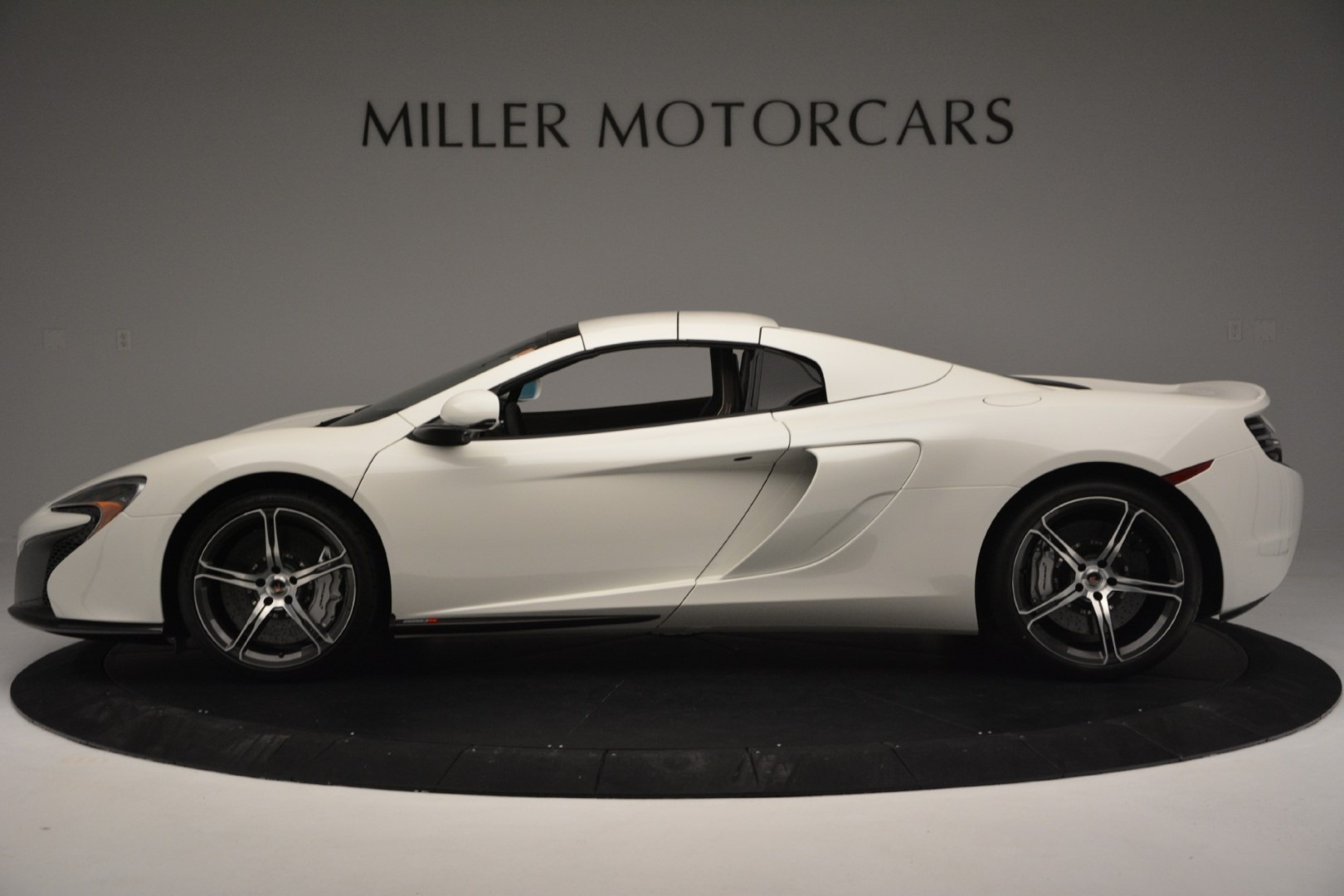 Used 2015 McLaren 650S Convertible For Sale In Greenwich, CT 3219_p13