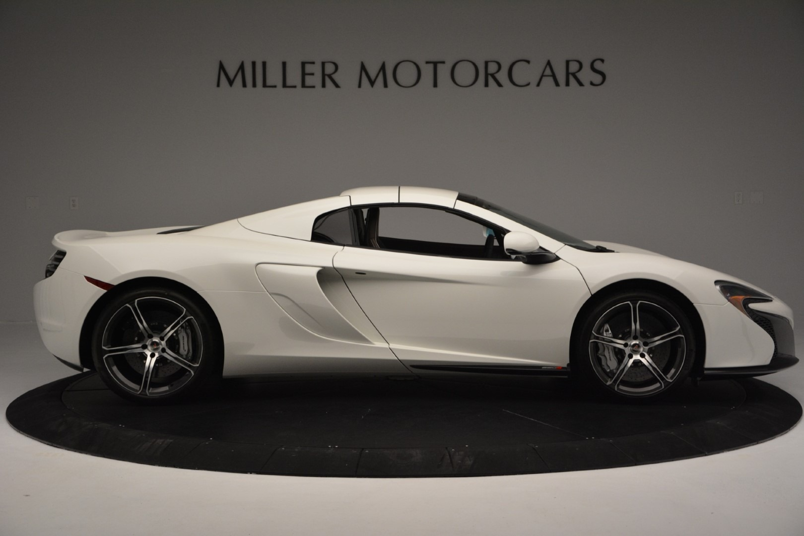 Used 2015 McLaren 650S Convertible For Sale In Greenwich, CT 3219_p14
