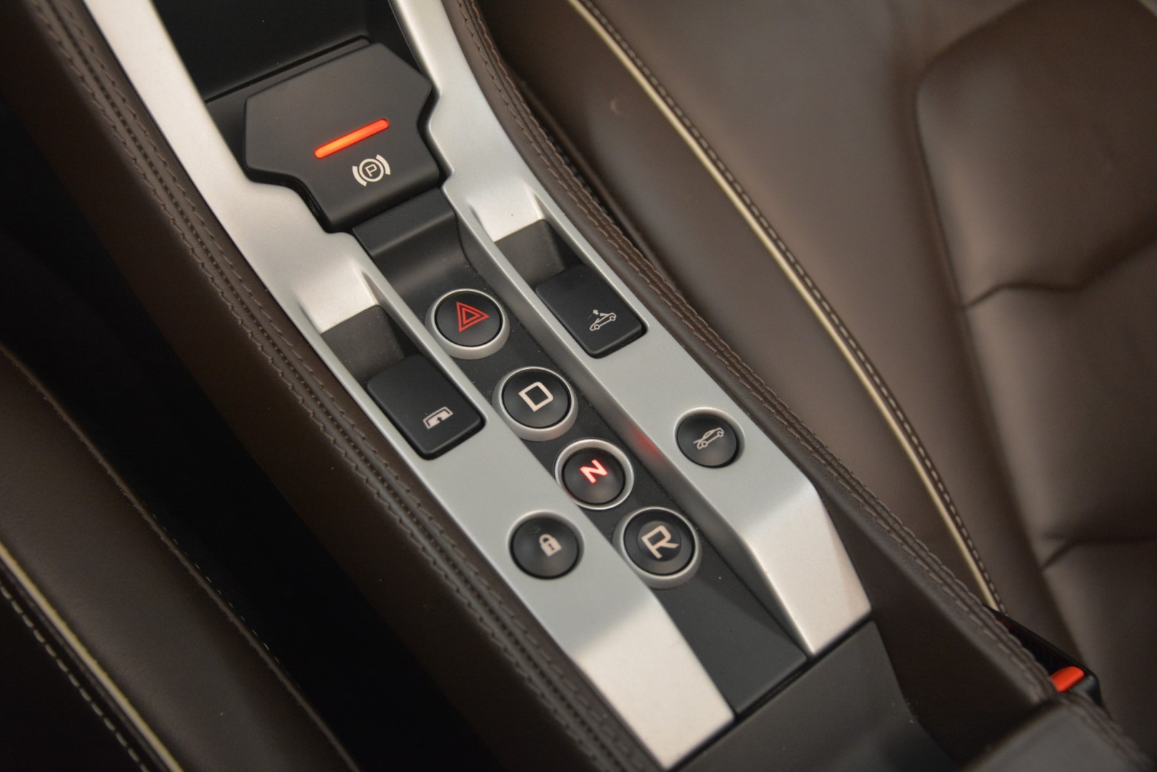Used 2015 McLaren 650S Convertible For Sale In Greenwich, CT 3219_p25