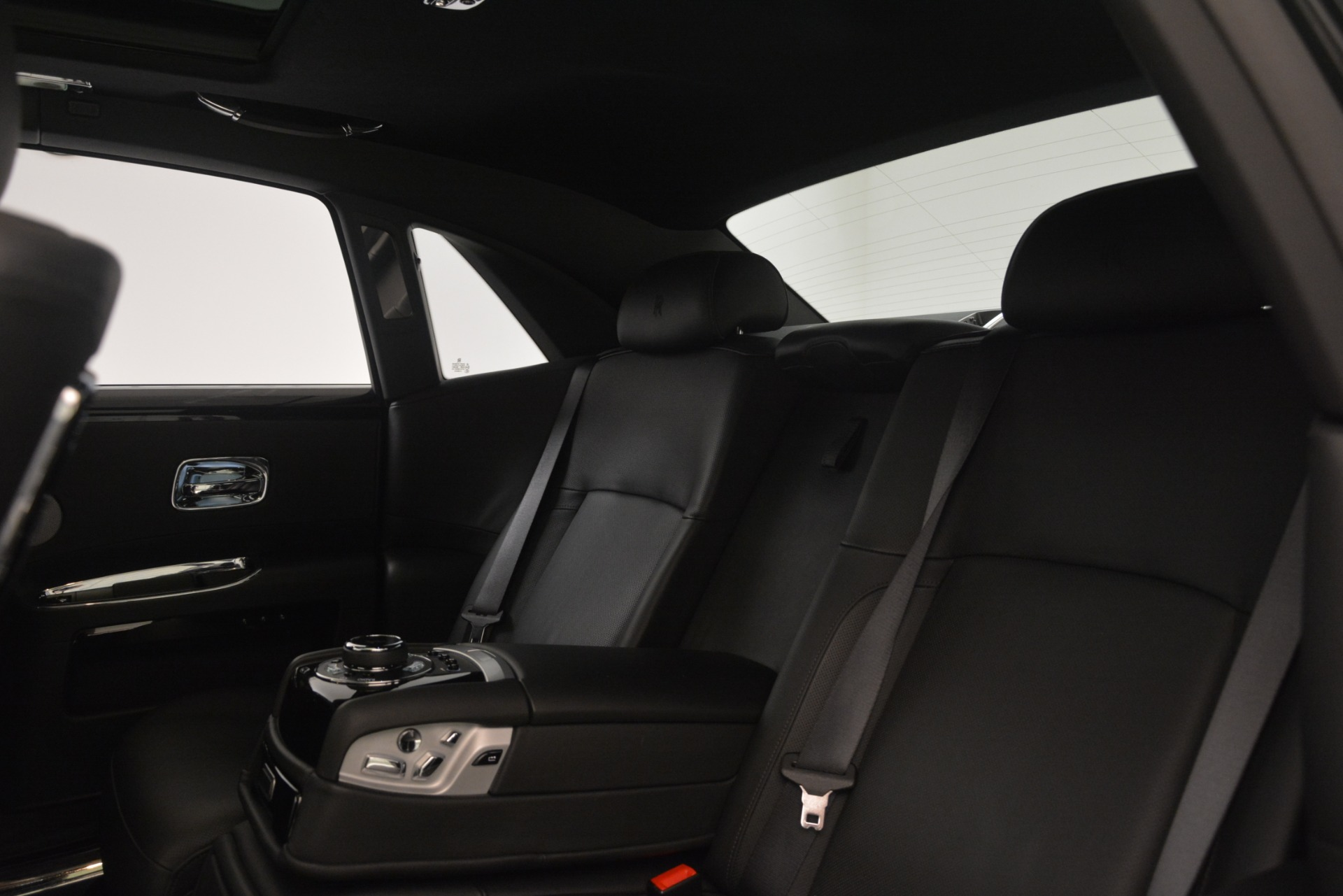 Used 2014 Rolls-Royce Ghost  For Sale In Greenwich, CT 3220_p18