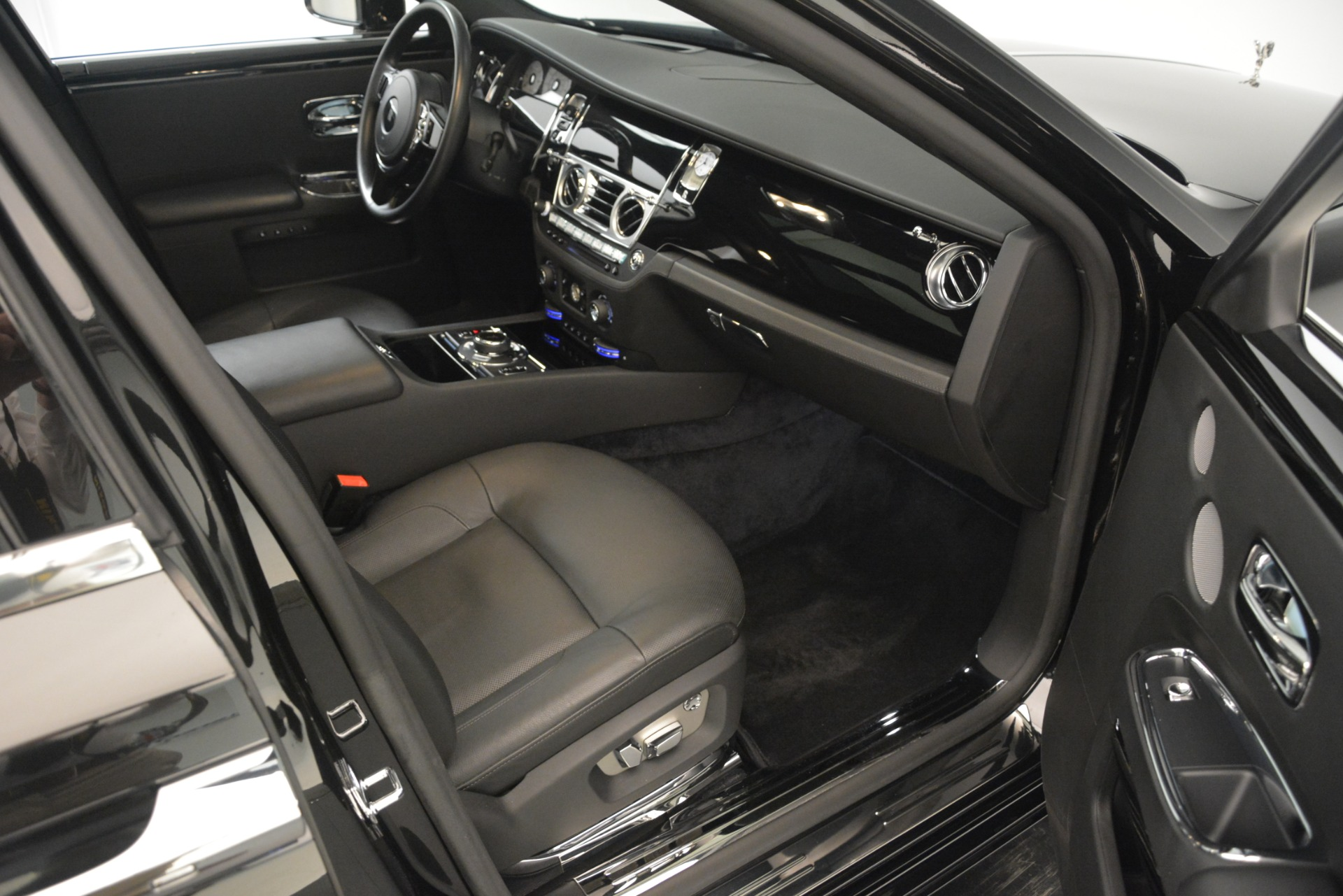 Used 2014 Rolls-Royce Ghost  For Sale In Greenwich, CT 3220_p20