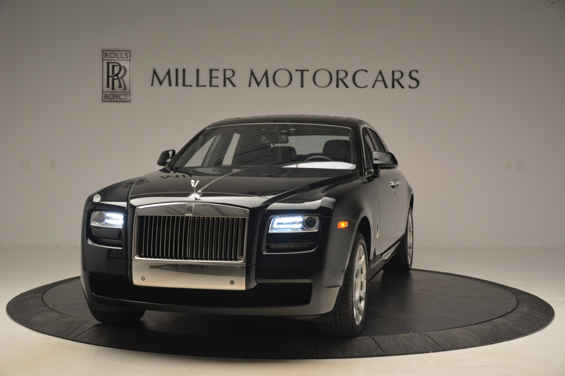 Used 2014 Rolls-Royce Ghost  For Sale In Greenwich, CT 3220_p2