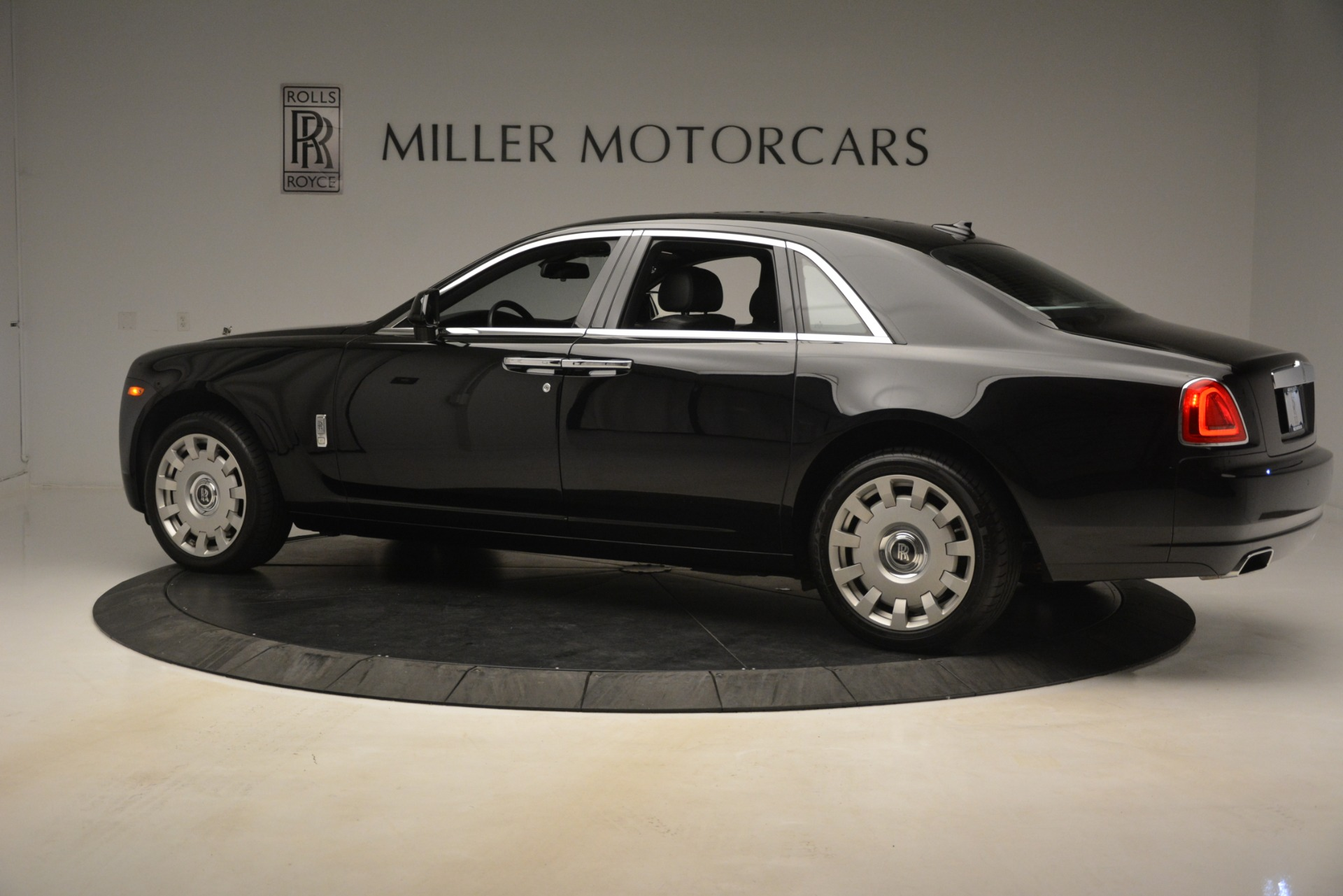 Used 2014 Rolls-Royce Ghost  For Sale In Greenwich, CT 3220_p5