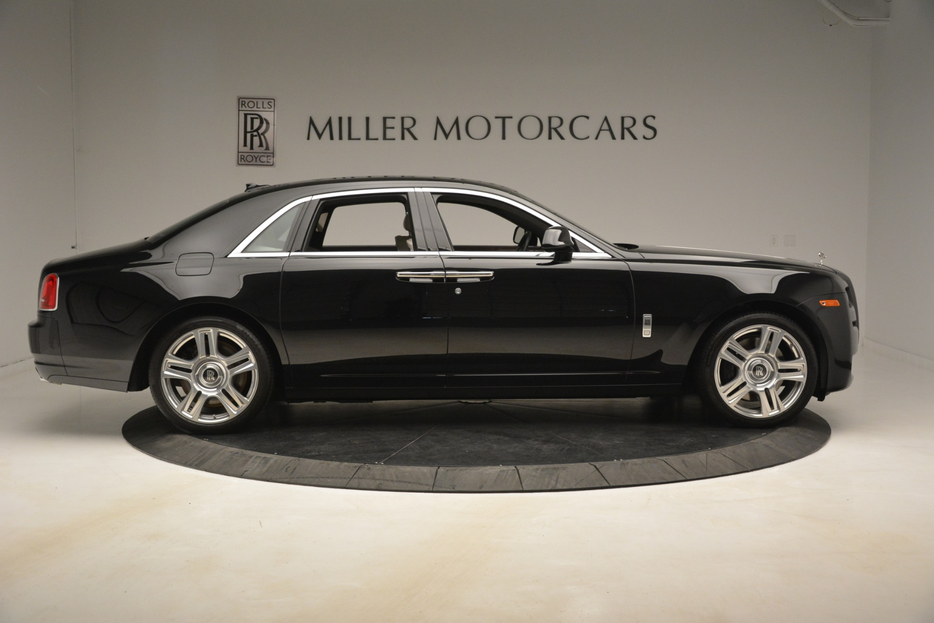 Used 2016 Rolls-Royce Ghost  For Sale In Greenwich, CT 3225_p10