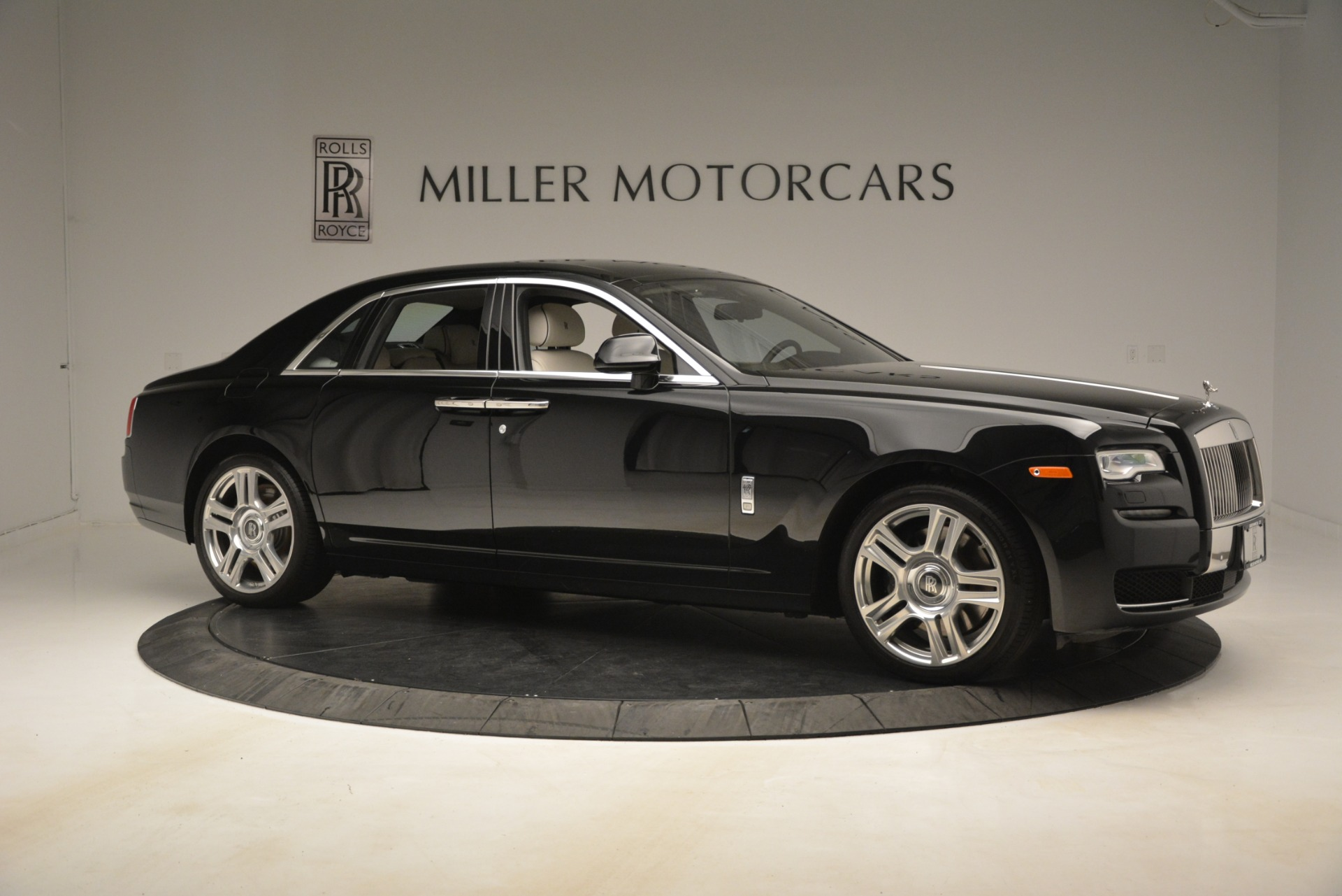 Used 2016 Rolls-Royce Ghost  For Sale In Greenwich, CT 3225_p11