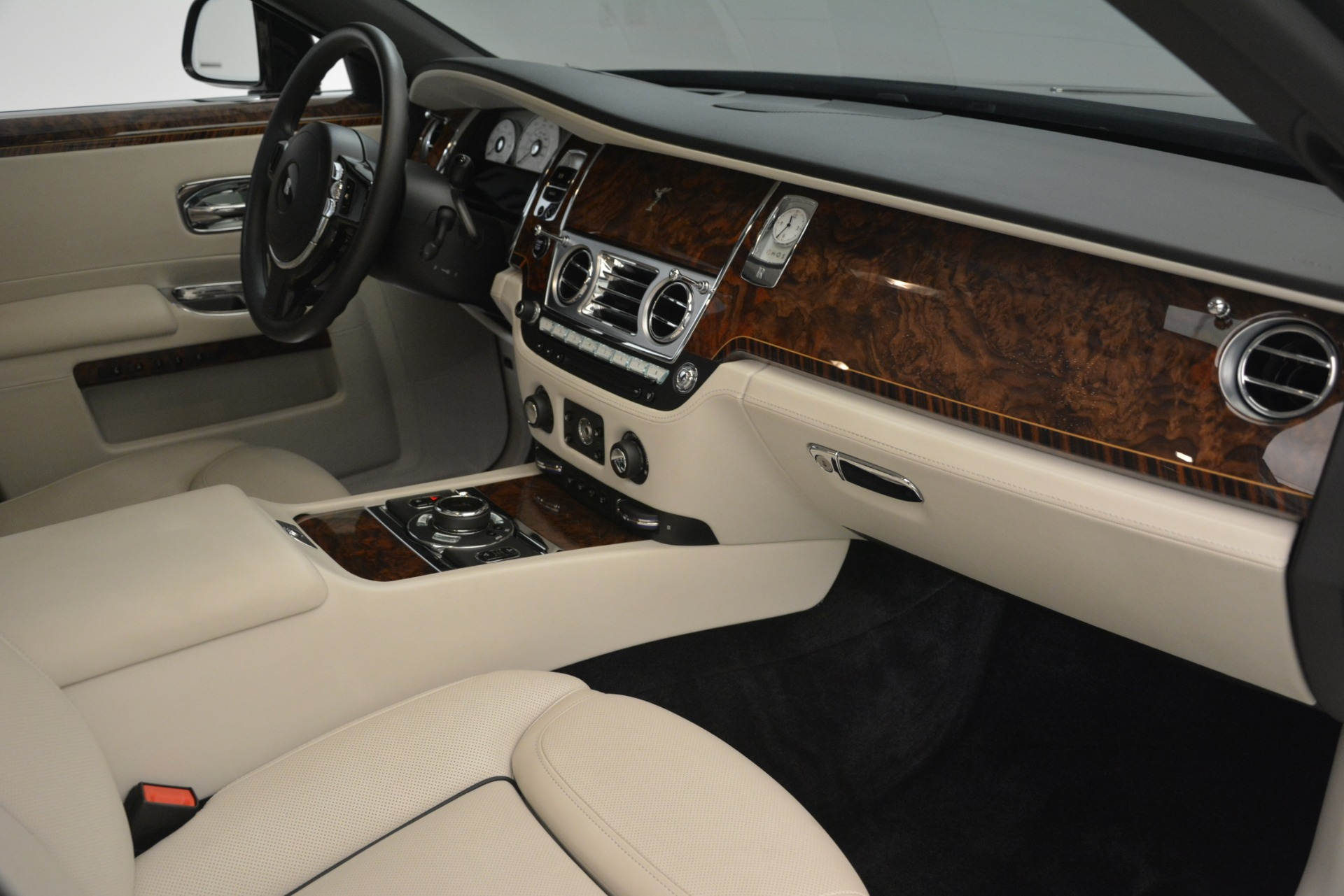 Used 2016 Rolls-Royce Ghost  For Sale In Greenwich, CT 3225_p17
