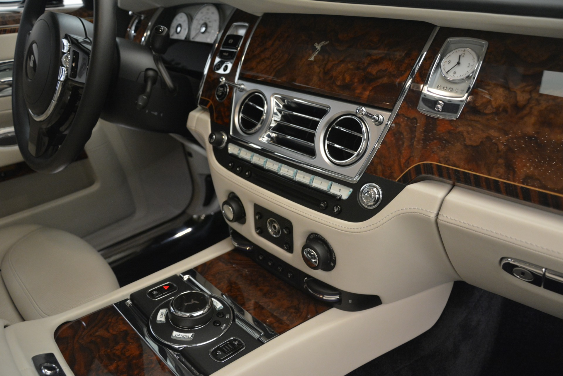 Used 2016 Rolls-Royce Ghost  For Sale In Greenwich, CT 3225_p25