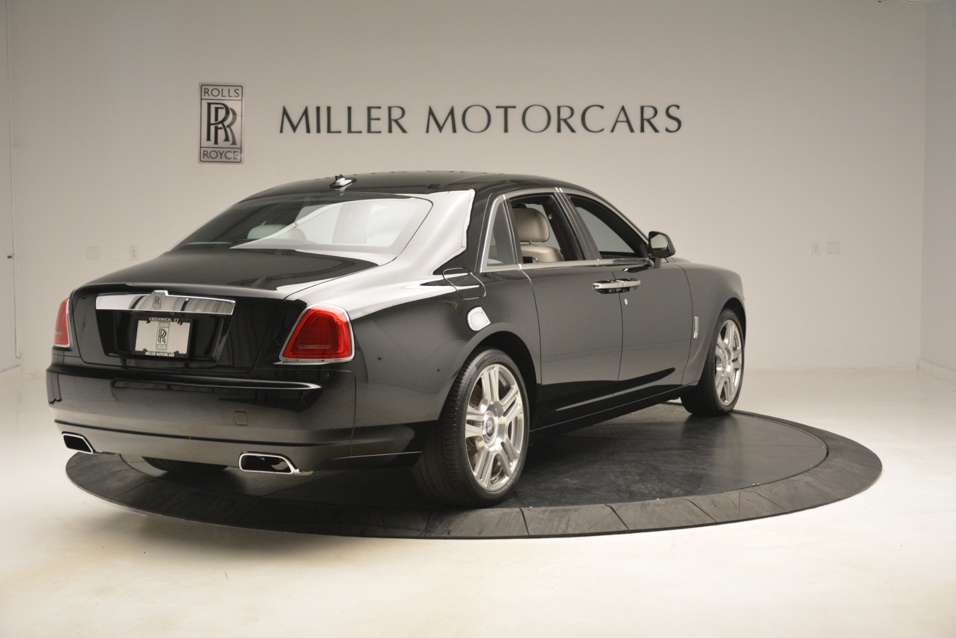 Used 2016 Rolls-Royce Ghost  For Sale In Greenwich, CT 3225_p8