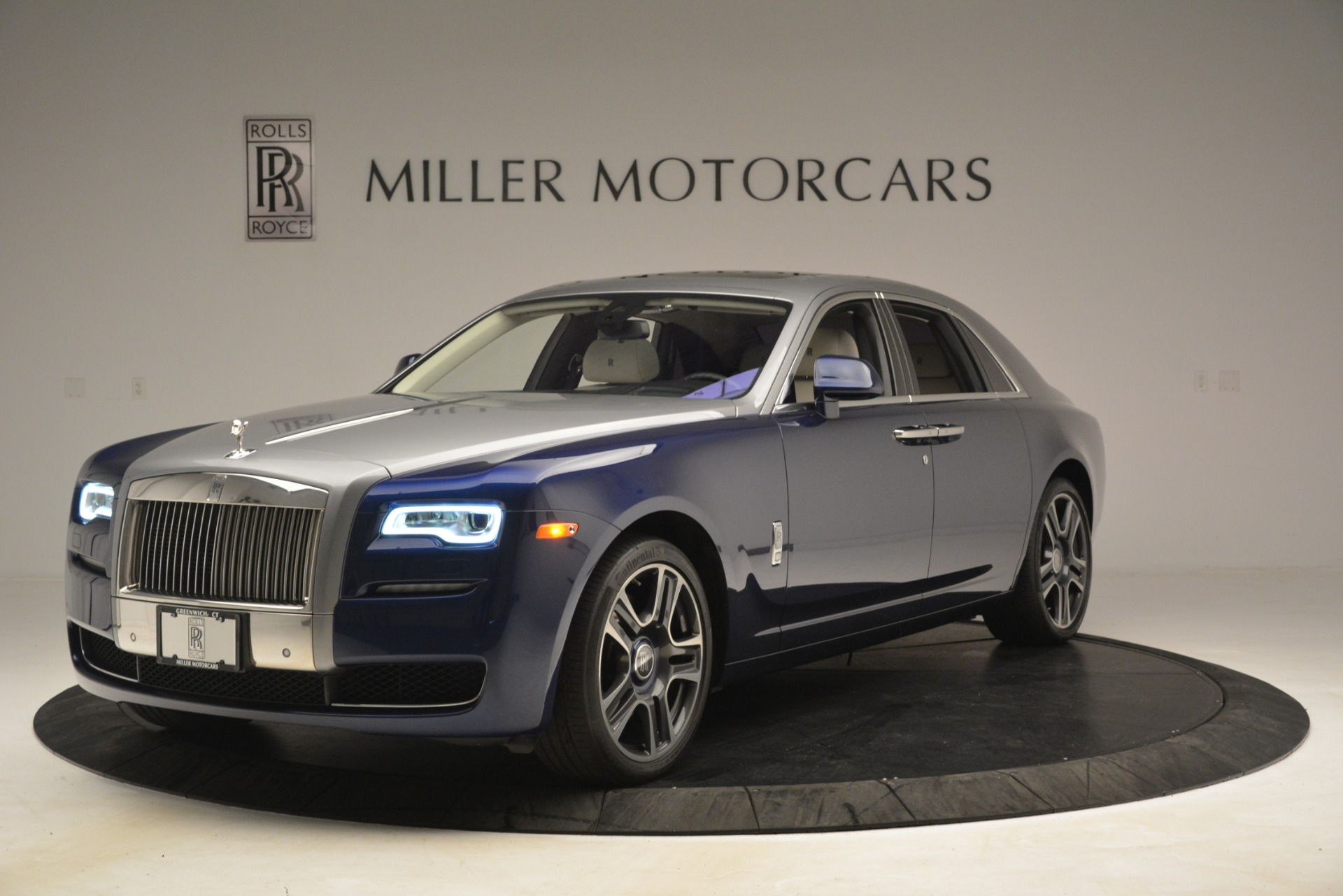Used 2016 Rolls-Royce Ghost  For Sale In Greenwich, CT 3226_p3