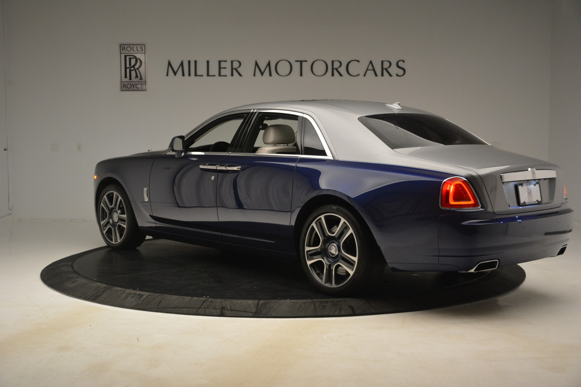 Used 2016 Rolls-Royce Ghost  For Sale In Greenwich, CT 3226_p6