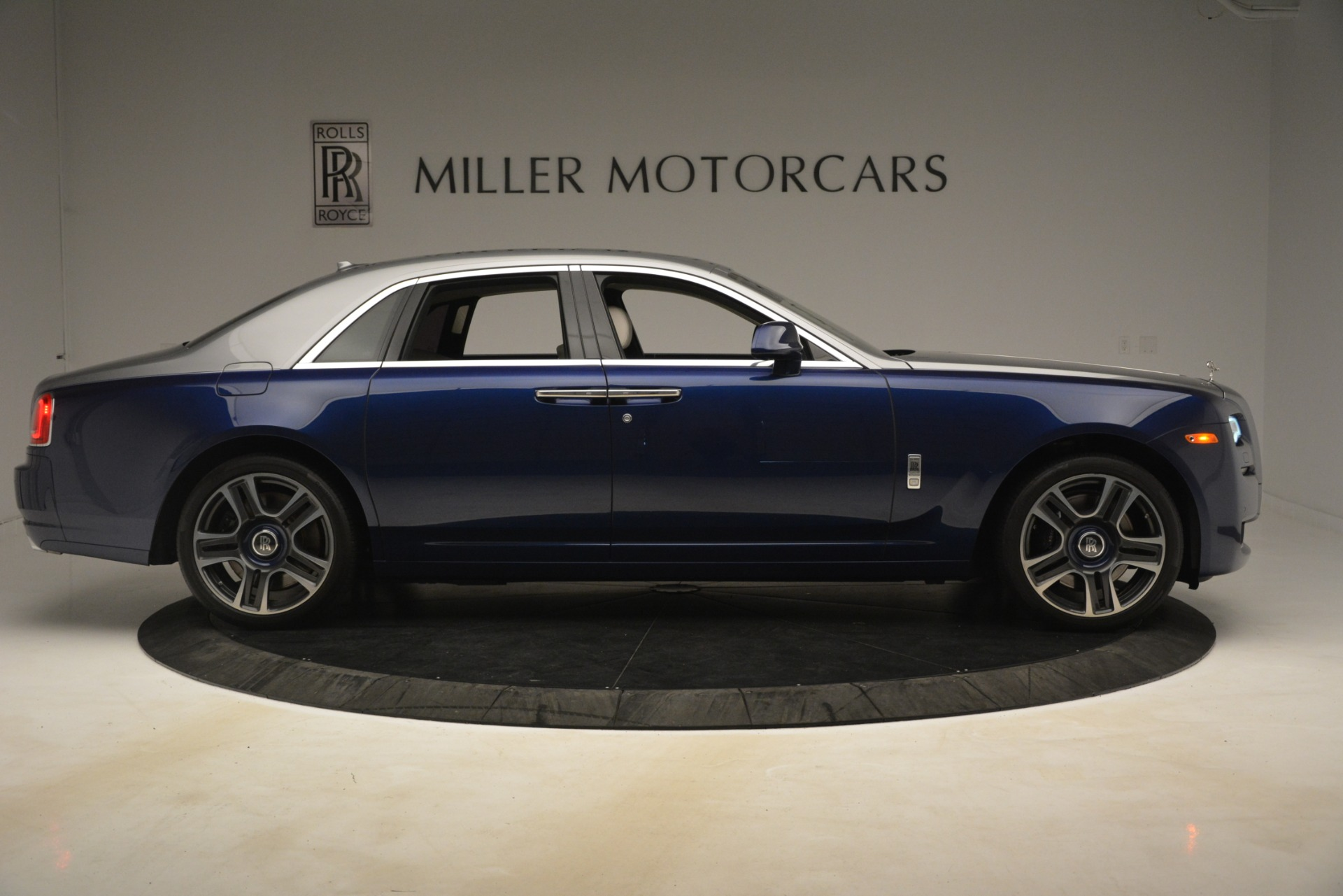 Used 2016 Rolls-Royce Ghost  For Sale In Greenwich, CT 3226_p9