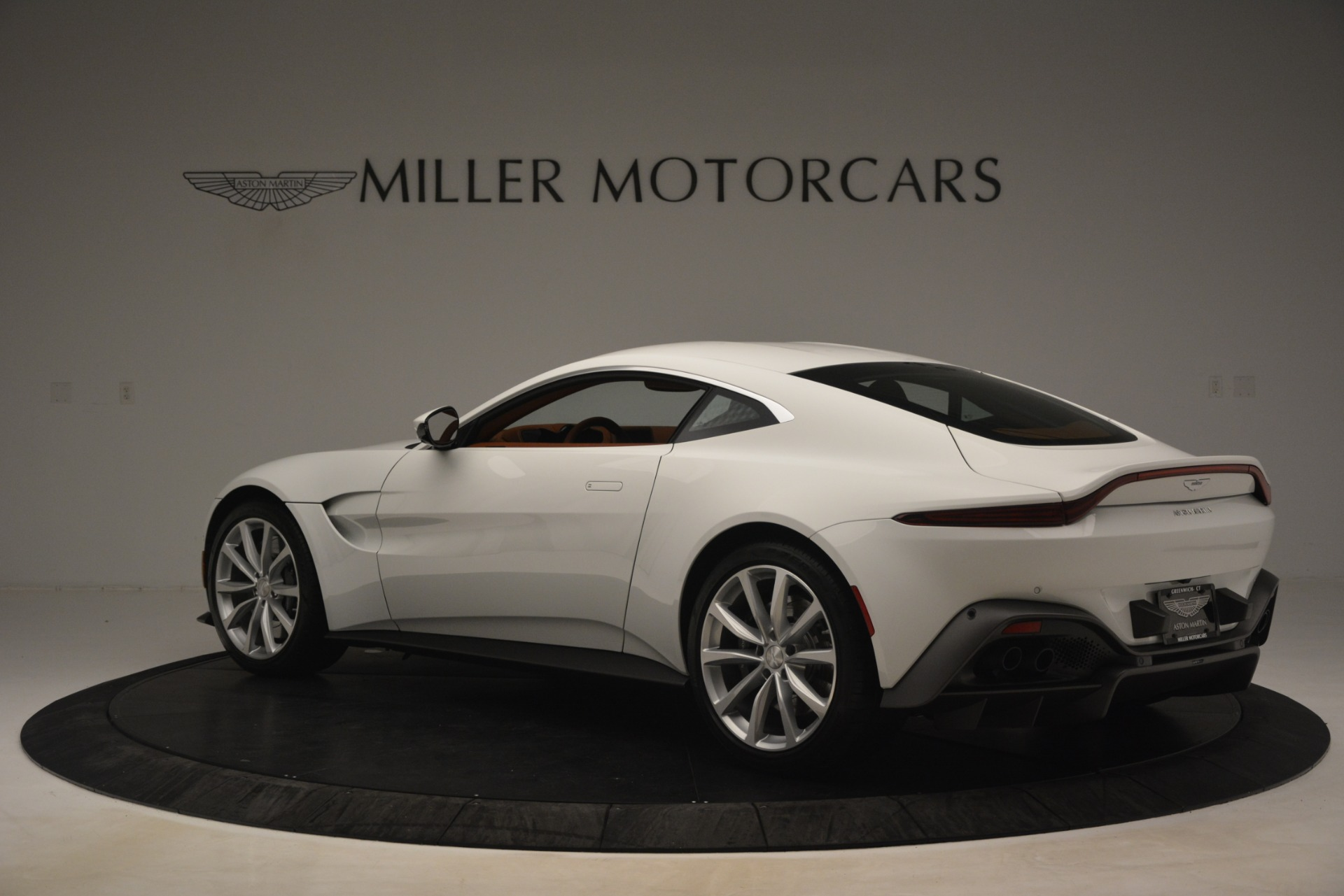 New 2019 Aston Martin Vantage Coupe For Sale In Greenwich, CT 3227_p3