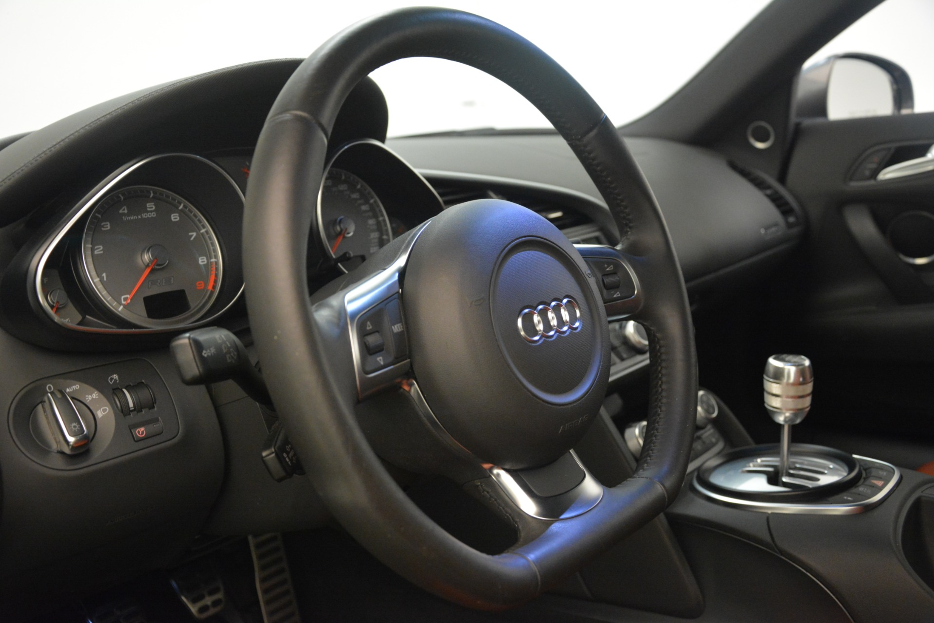 Used 2009 Audi R8 quattro For Sale In Greenwich, CT 3228_p20
