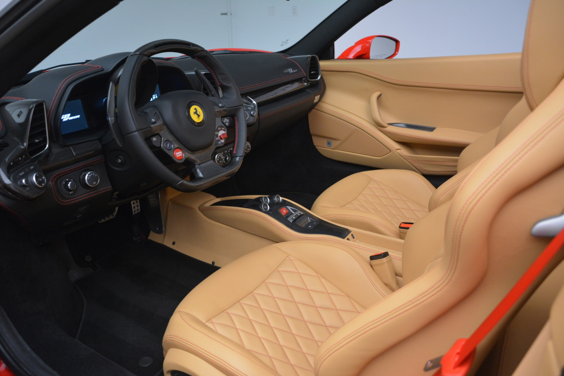 Used 2015 Ferrari 458 Spider  For Sale In Greenwich, CT 3233_p19