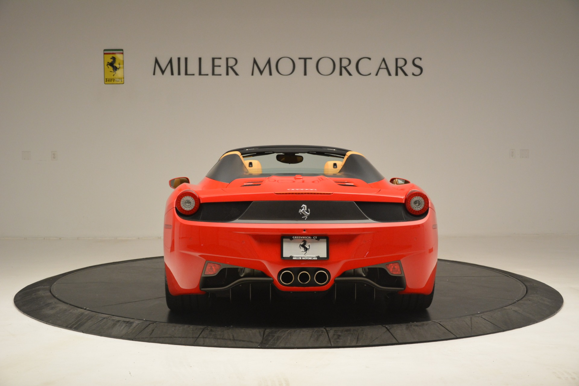 Used 2015 Ferrari 458 Spider  For Sale In Greenwich, CT 3233_p6