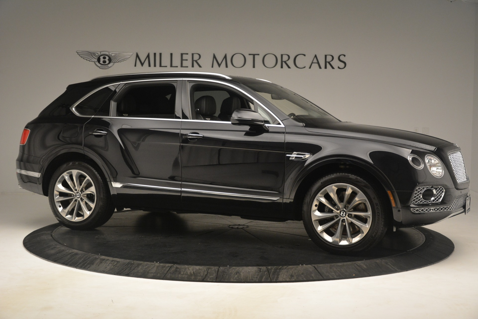 Used 2017 Bentley Bentayga W12 For Sale In Greenwich, CT 3239_p10