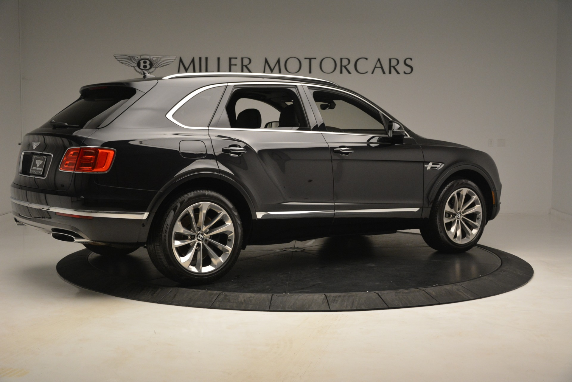 Used 2017 Bentley Bentayga W12 For Sale In Greenwich, CT 3239_p8
