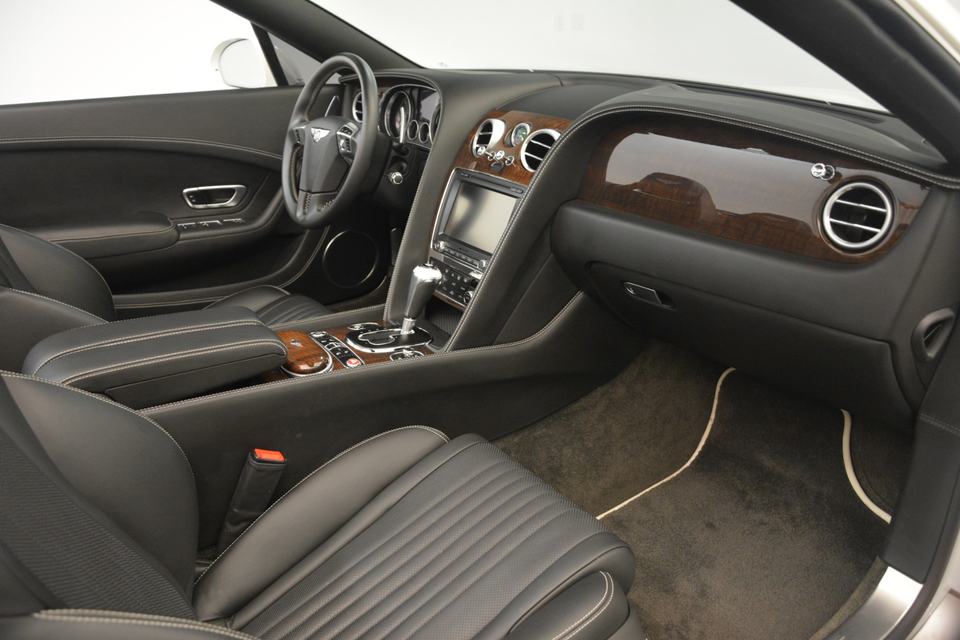 Used 2016 Bentley Continental GT V8 For Sale In Greenwich, CT 3241_p28