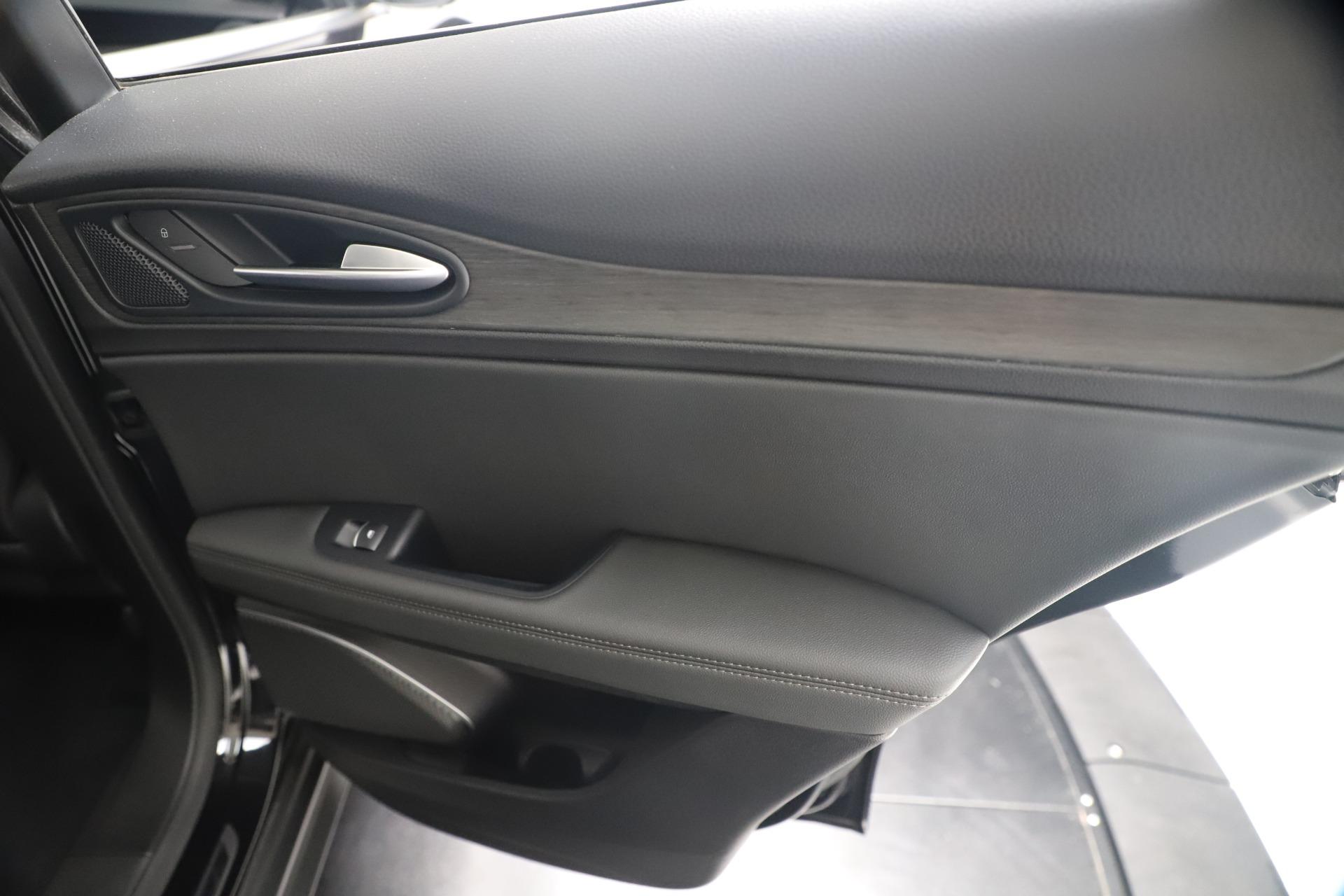 New 2019 Alfa Romeo Stelvio Ti Q4 For Sale In Greenwich, CT 3252_p29