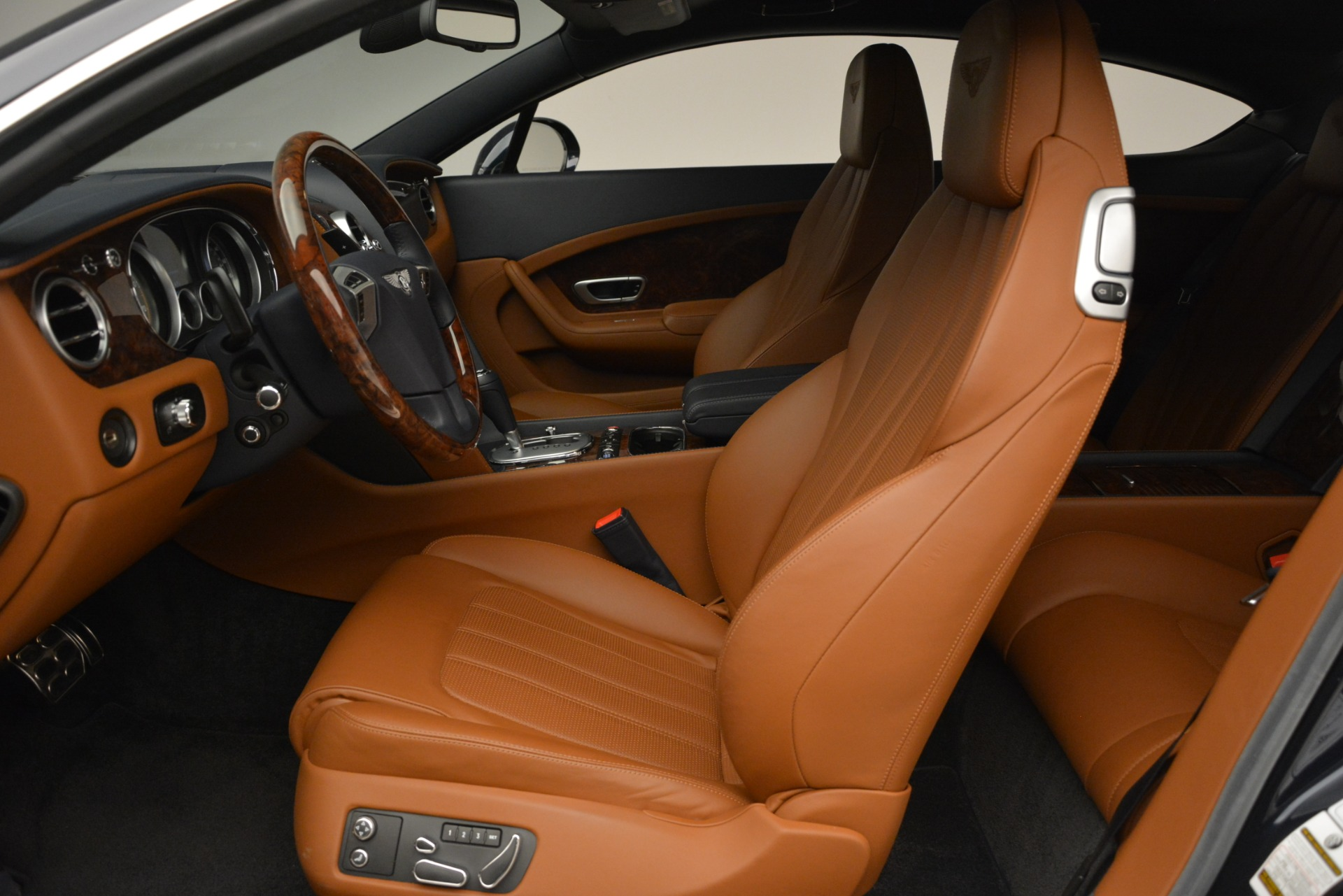Used 2013 Bentley Continental GT V8 For Sale In Greenwich, CT 3257_p19