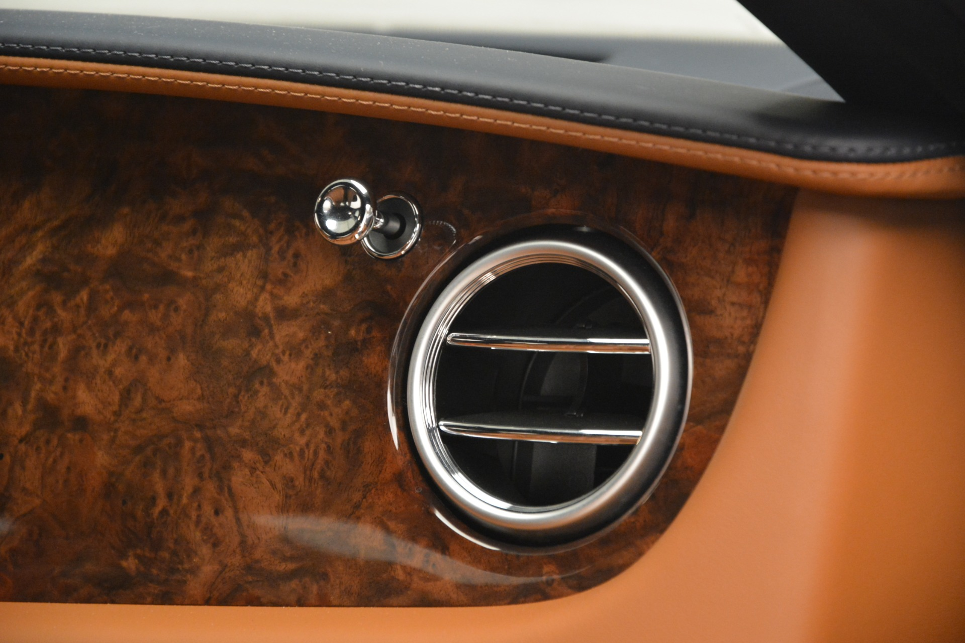 Used 2013 Bentley Continental GT V8 For Sale In Greenwich, CT 3257_p24