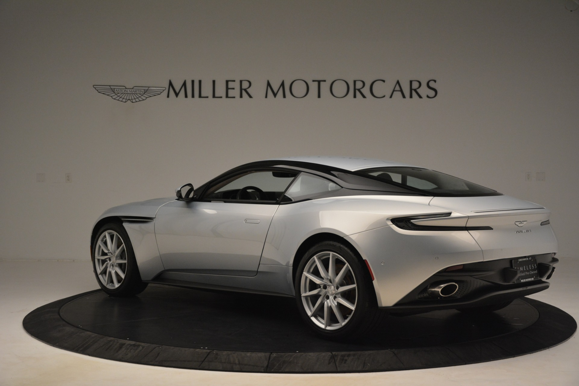 Used 2018 Aston Martin DB11 V12 Coupe For Sale In Greenwich, CT 3264_p3