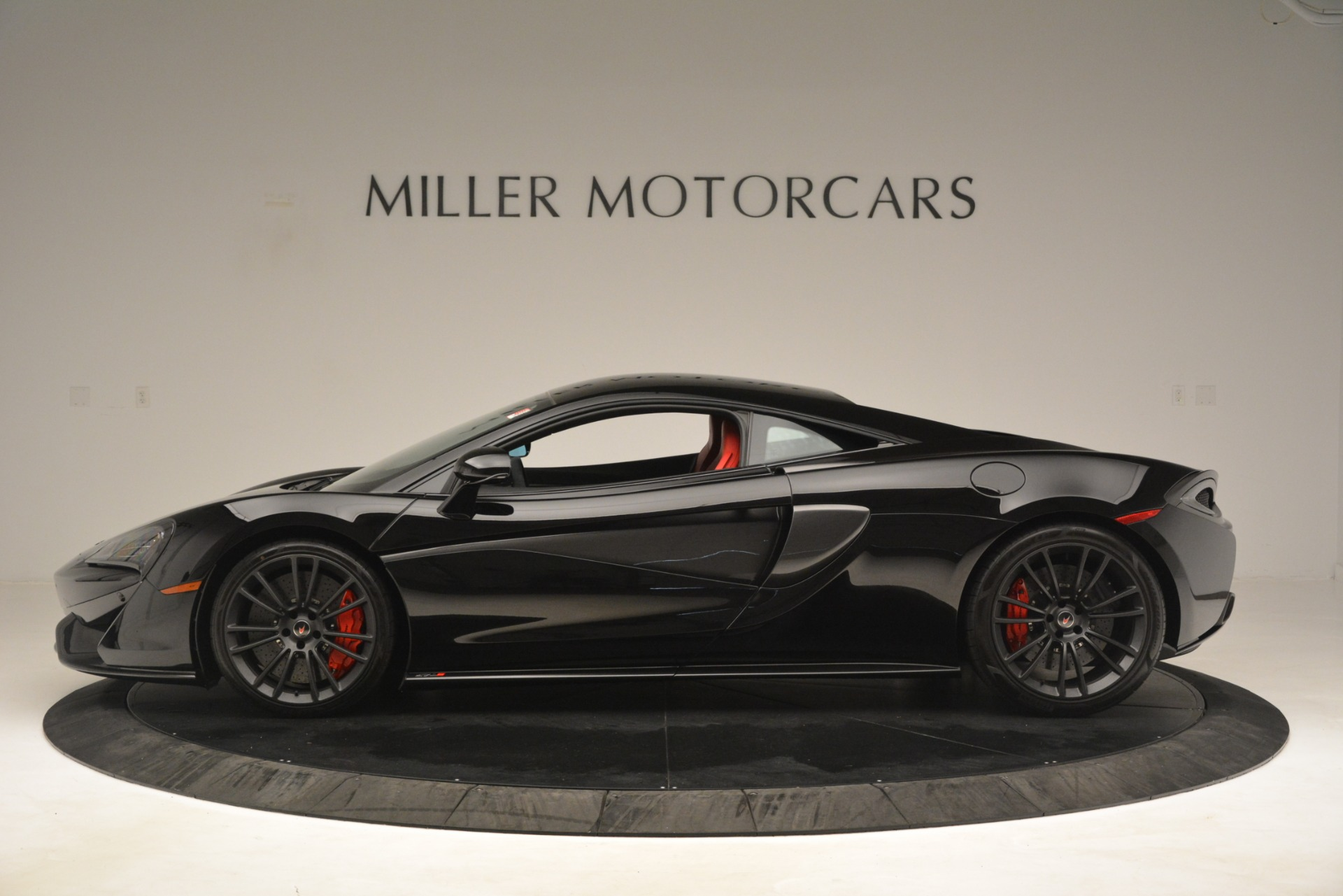 Used 2016 McLaren 570S Coupe For Sale In Greenwich, CT 3268_p2