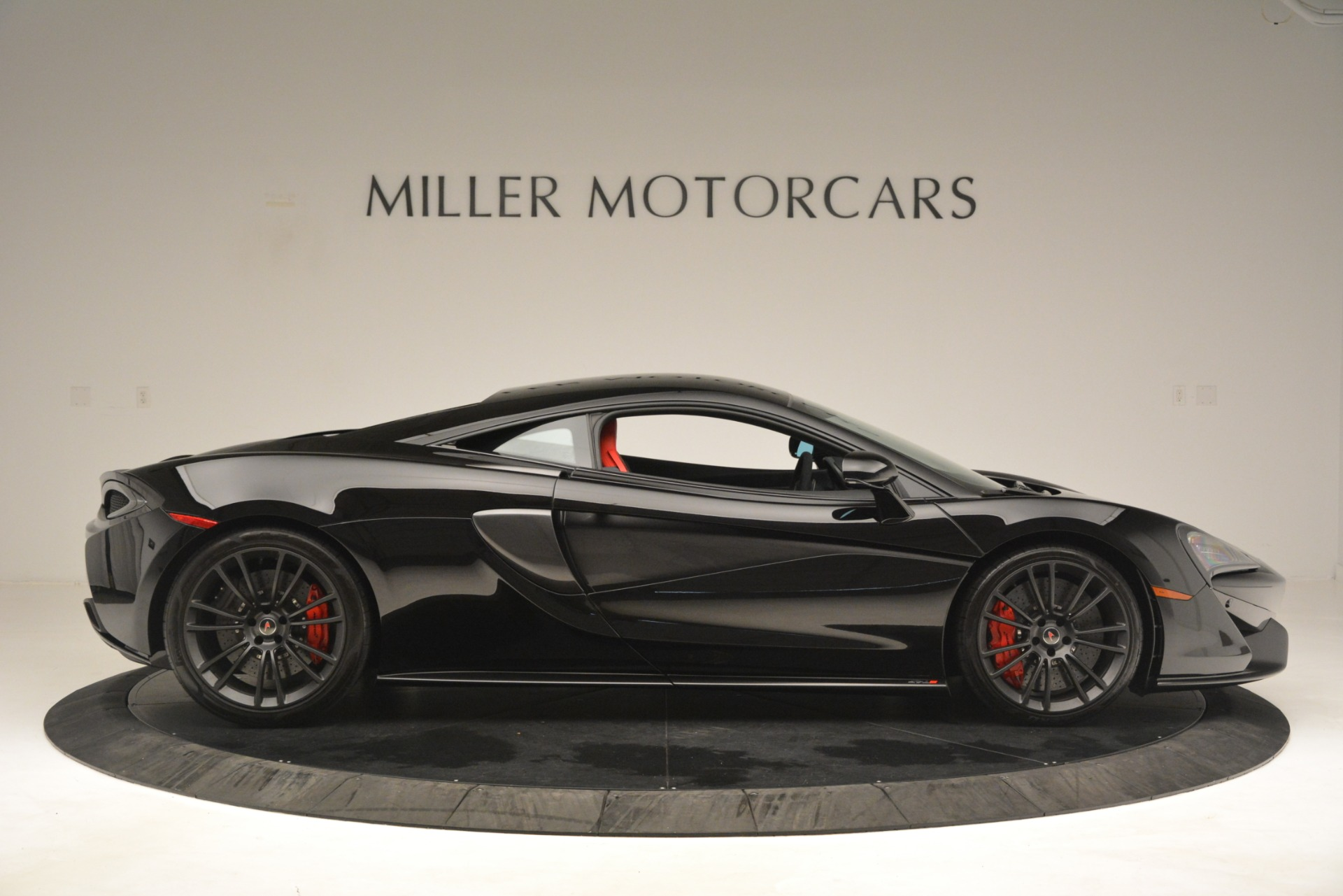 Used 2016 McLaren 570S Coupe For Sale In Greenwich, CT 3268_p8