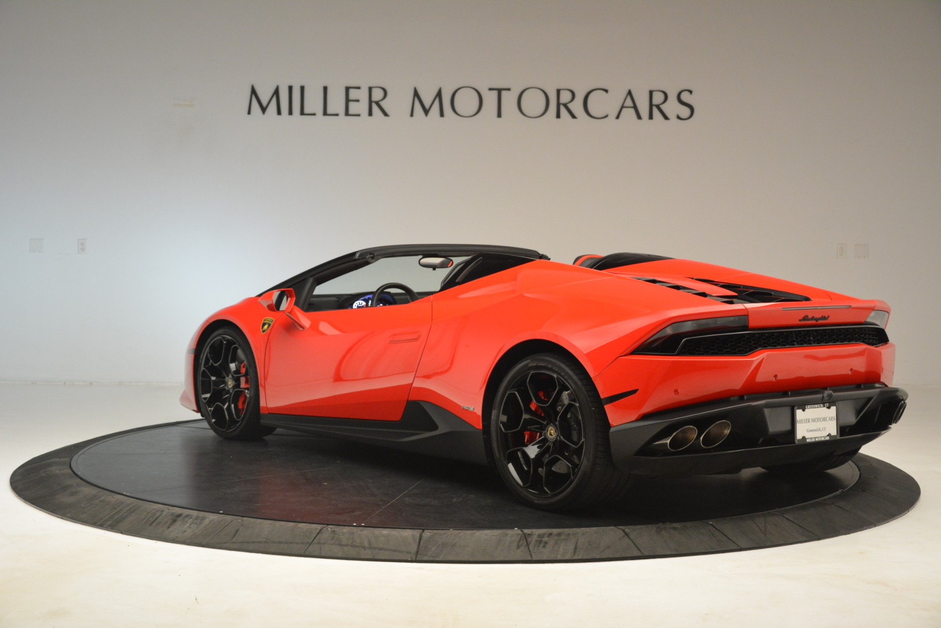 Used 2017 Lamborghini Huracan LP 610-4 Spyder For Sale In Greenwich, CT 3270_p3