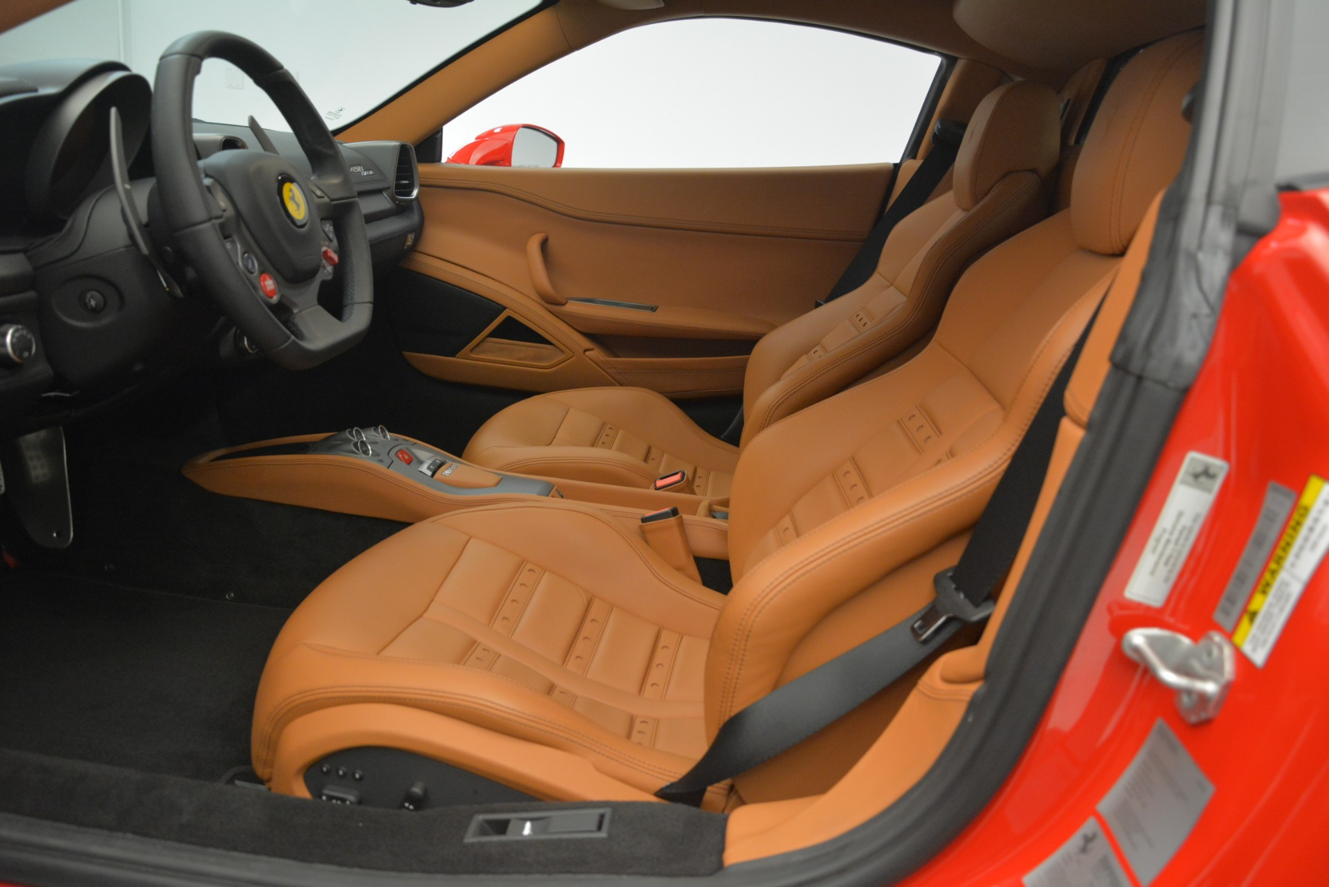 Used 2014 Ferrari 458 Italia  For Sale In Greenwich, CT 3271_p14