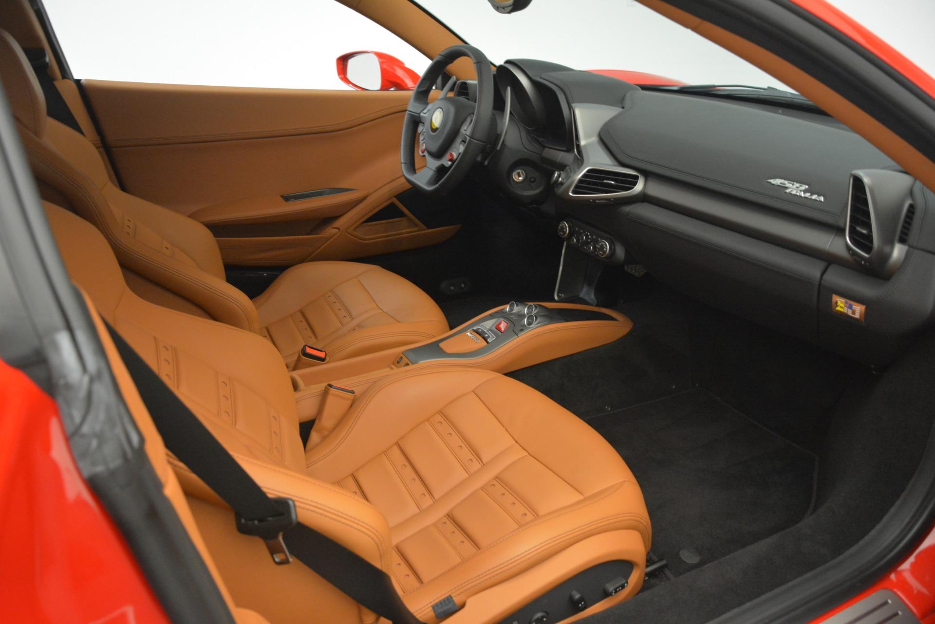 Used 2014 Ferrari 458 Italia  For Sale In Greenwich, CT 3271_p17