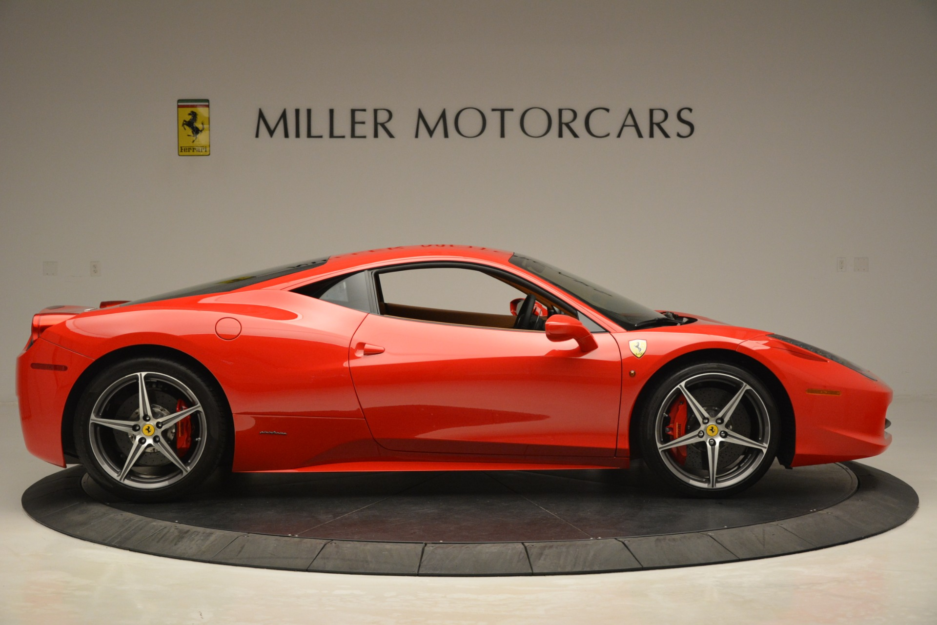 Used 2014 Ferrari 458 Italia  For Sale In Greenwich, CT 3271_p9