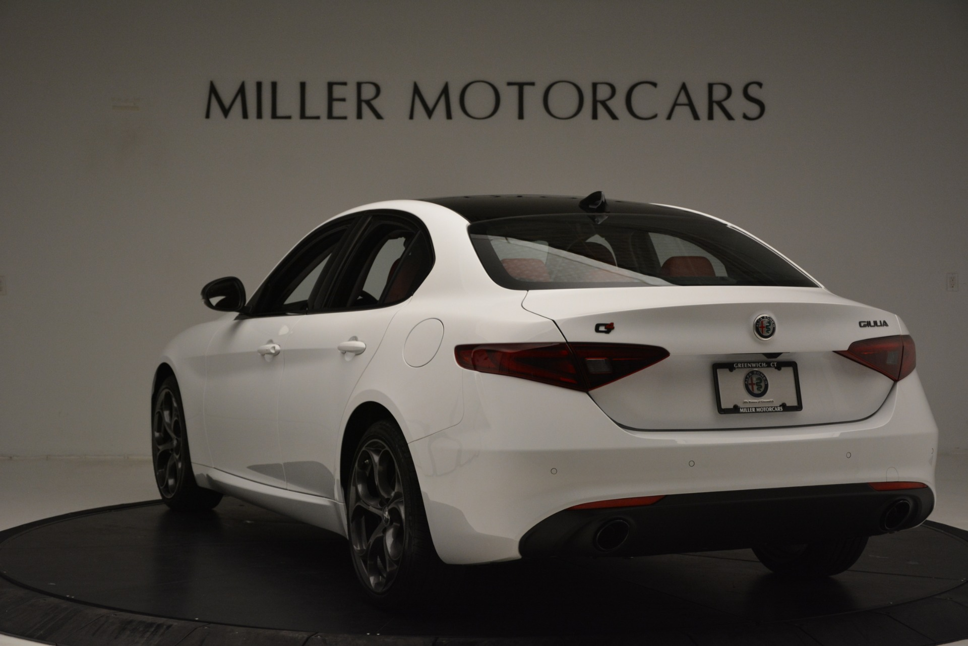 New 2019 Alfa Romeo Giulia Q4 For Sale In Greenwich, CT 3272_p5