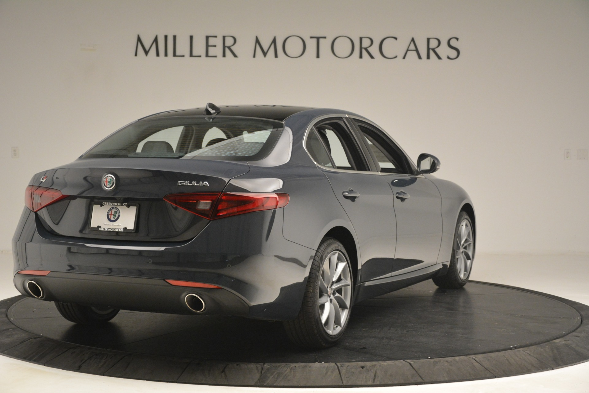 New 2019 Alfa Romeo Giulia Q4 For Sale In Greenwich, CT 3274_p7