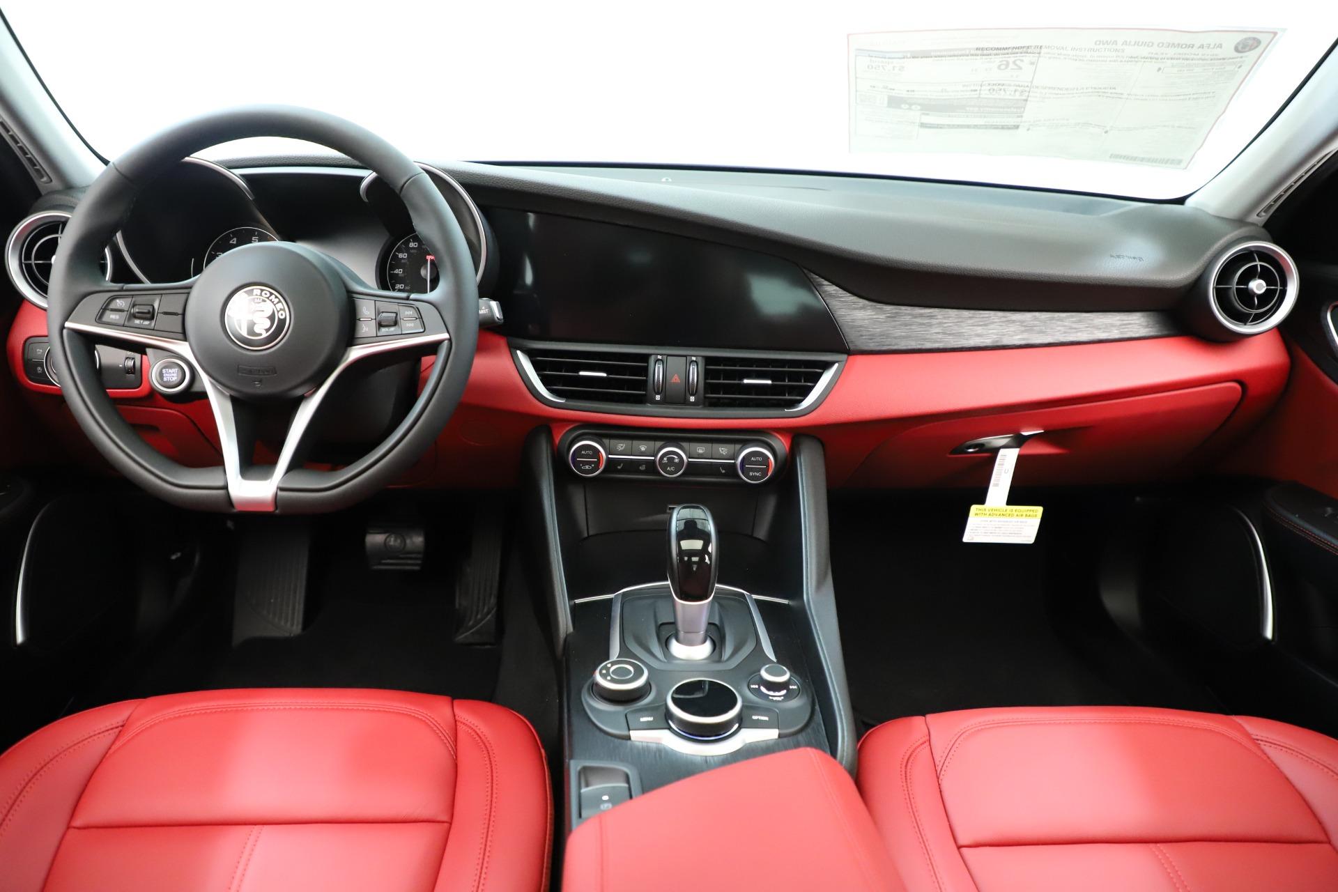 New 2019 Alfa Romeo Giulia Q4 For Sale In Greenwich, CT 3275_p17