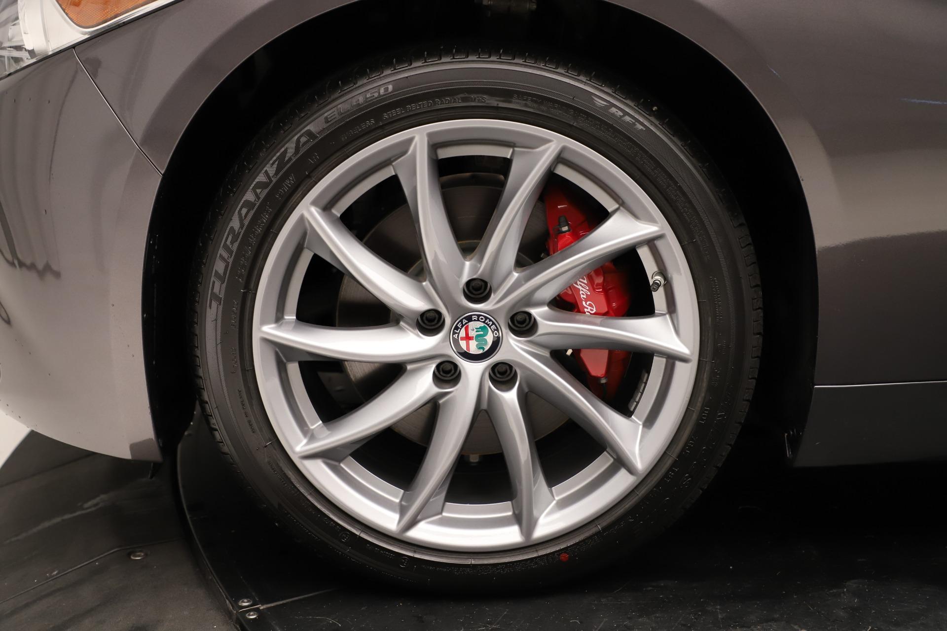 New 2019 Alfa Romeo Giulia Q4 For Sale In Greenwich, CT 3275_p31