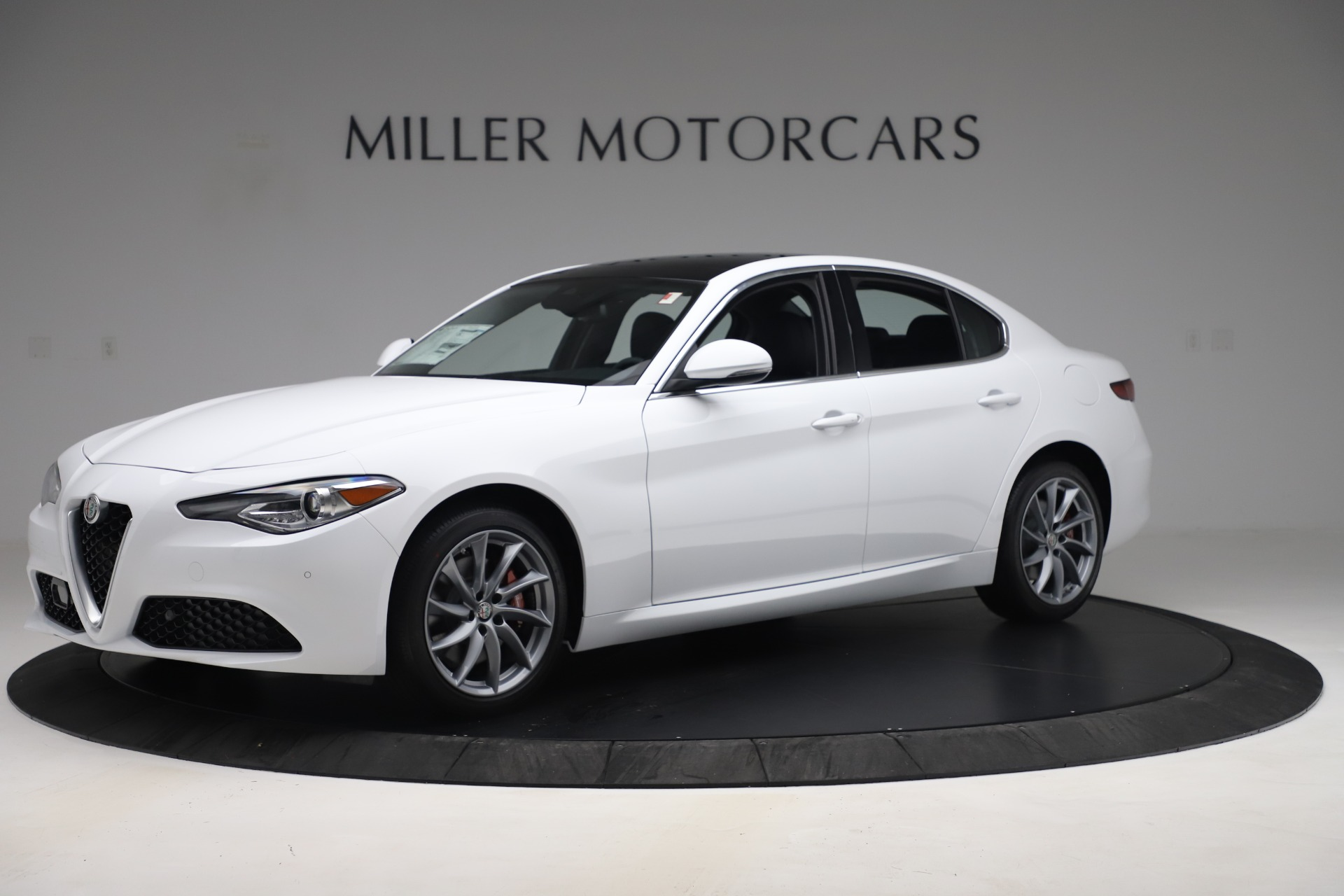 New 2019 Alfa Romeo Giulia Q4 For Sale In Greenwich, CT 3278_p2